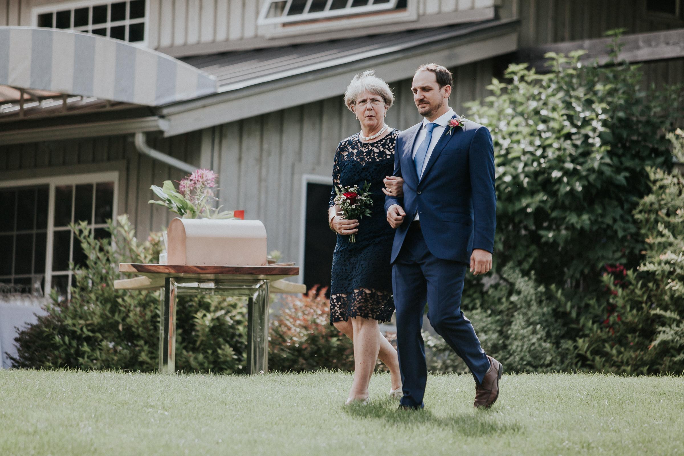 Marianmade-Farm-Wiscasset-Maine-Fine-Art-Documentary-Wedding-Photographer-Elvira-Kalviste-Photography-67.jpg