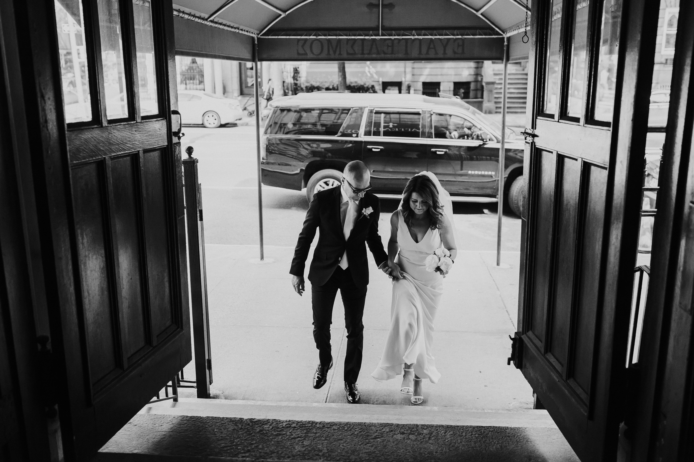 Robert-NYC-Museum-Of-Arts-&-Design-Greek-Italian-New-York-Documentary-Wedding-Photographer-8.jpg