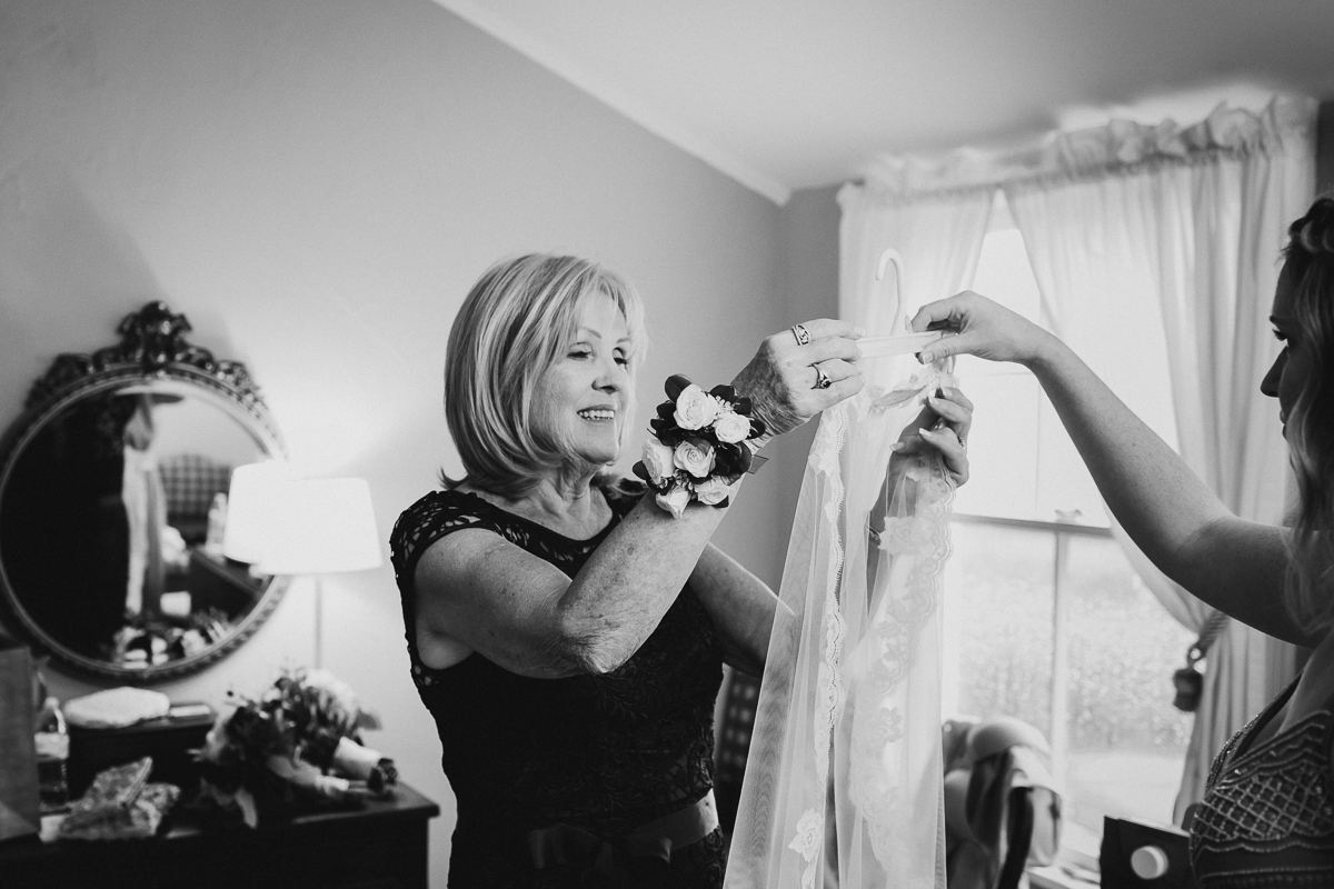 The-Water-Witch-Club-at-Monmouth-Hills-NJ-Documentary-Wedding-Photographer-38.jpg