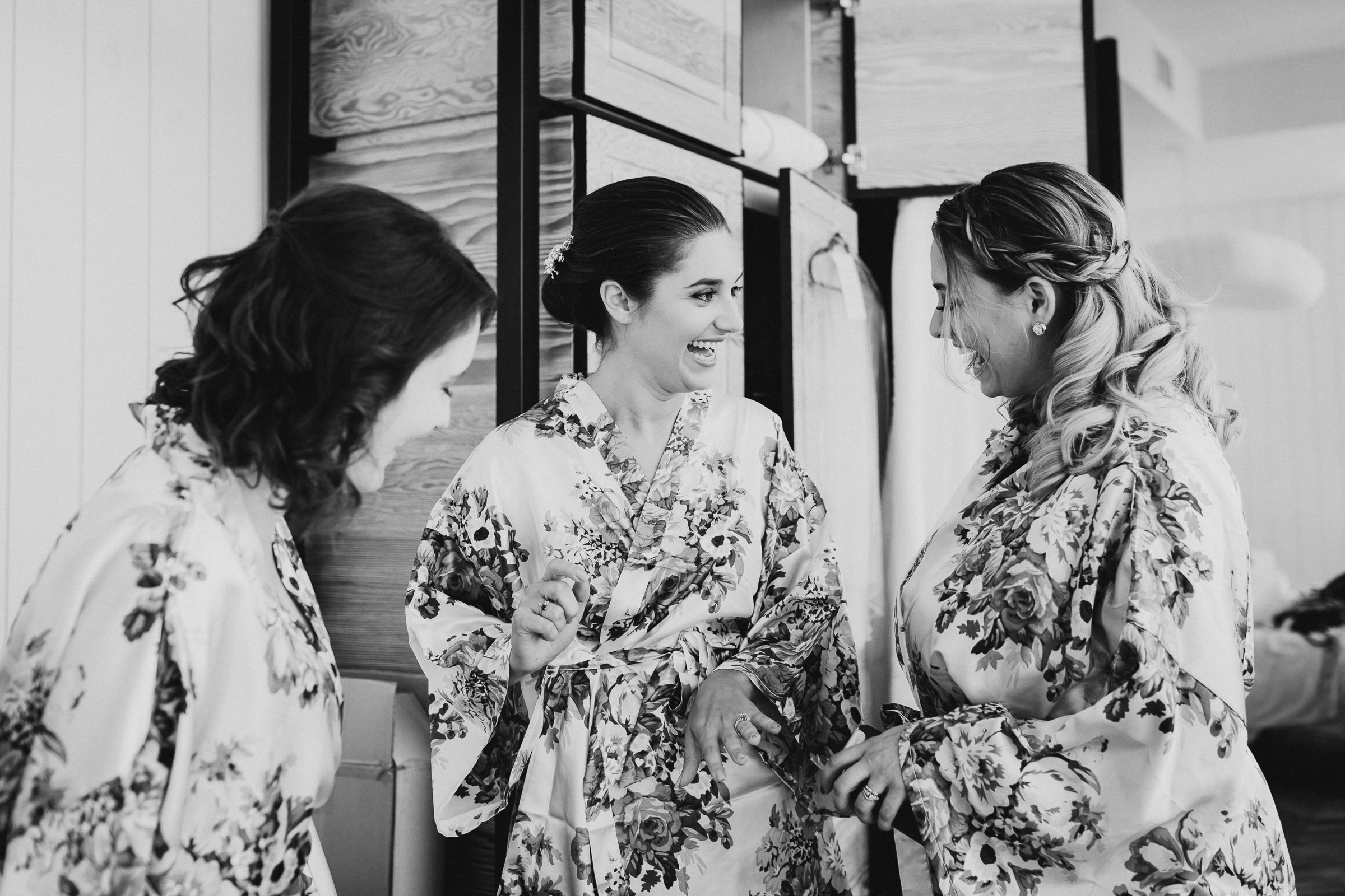 Brooklyn-Winery-NYC-Editorial-Documentary-Wedding-Photographer-Gina-Oli-3.jpg