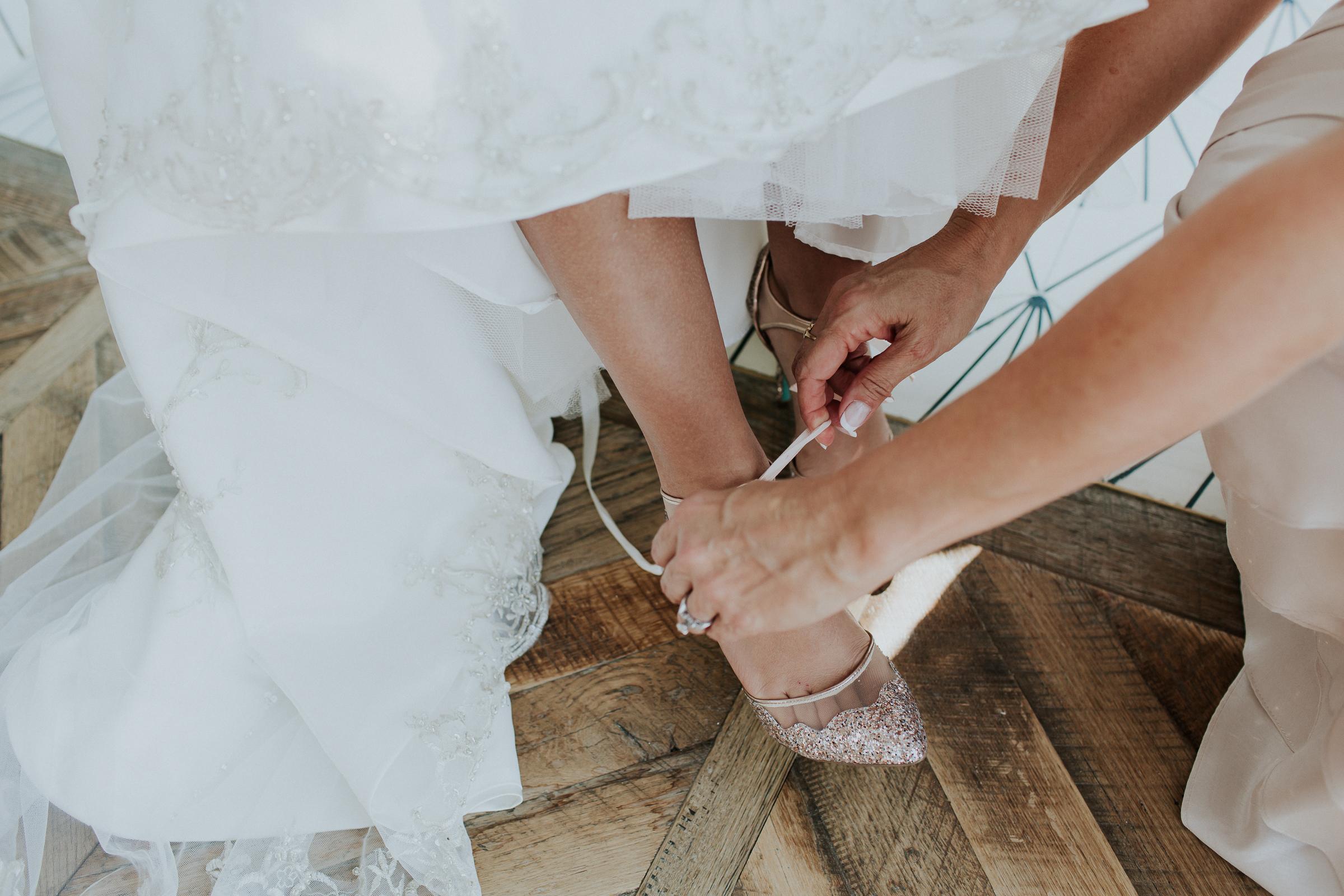 Brooklyn-Winery-NYC-Editorial-Documentary-Wedding-Photographer-Gina-Oli-15.jpg