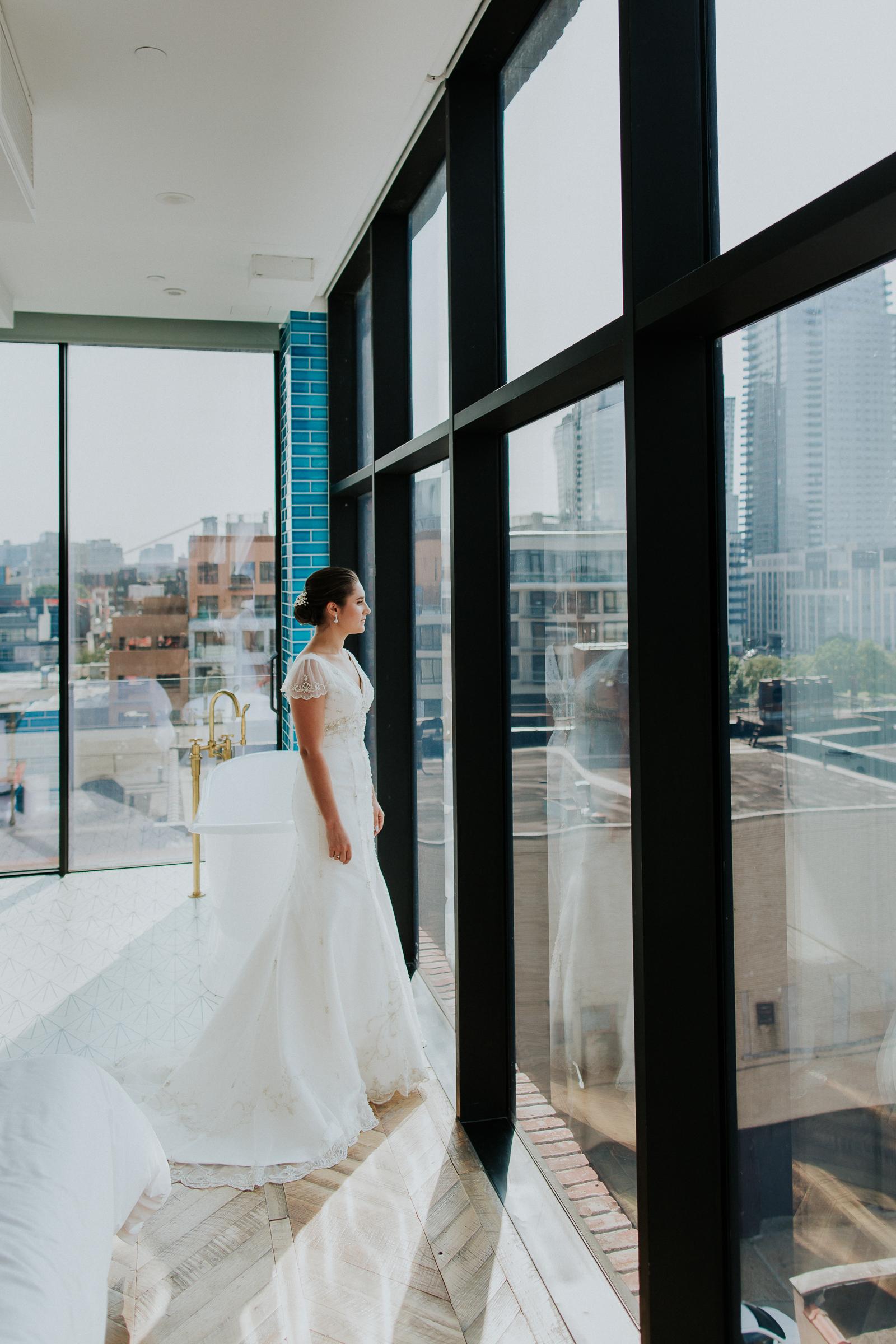 Brooklyn-Winery-NYC-Editorial-Documentary-Wedding-Photographer-Gina-Oli-16.jpg