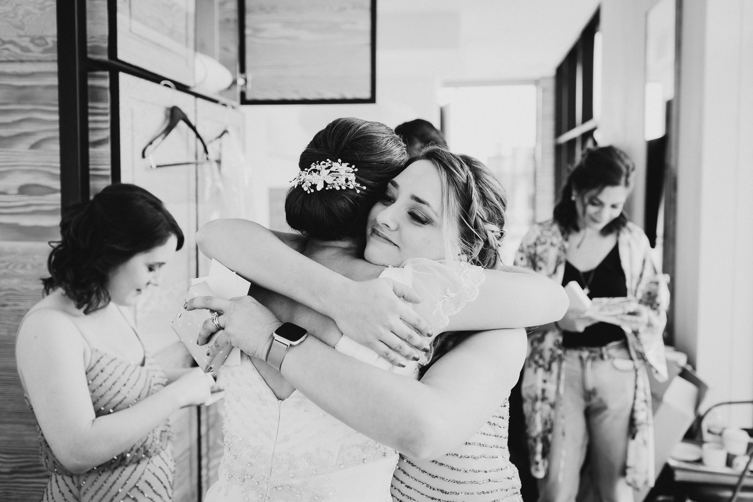 Brooklyn-Winery-NYC-Editorial-Documentary-Wedding-Photographer-Gina-Oli-19.jpg