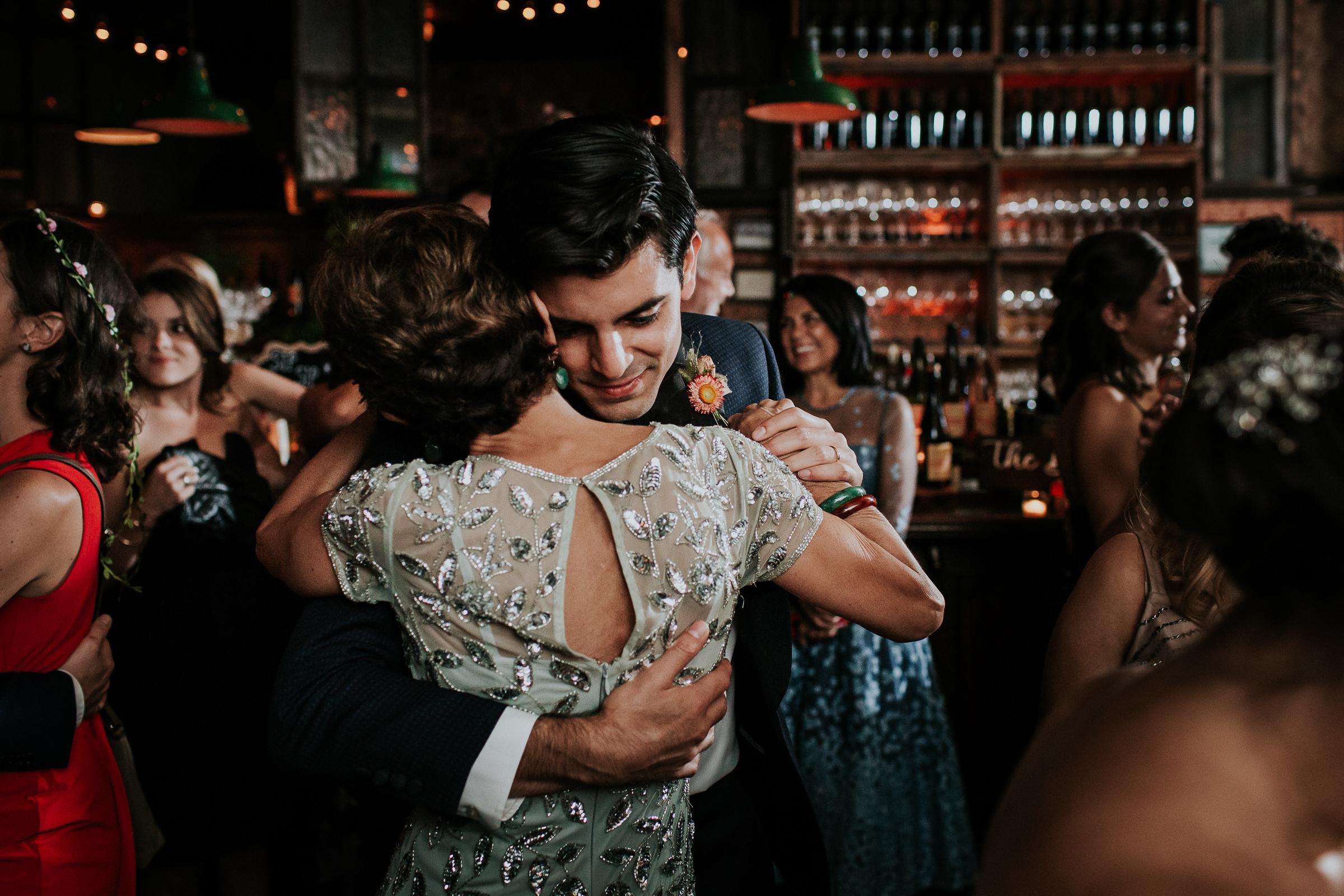 Brooklyn-Winery-NYC-Editorial-Documentary-Wedding-Photographer-Gina-Oli-107.jpg