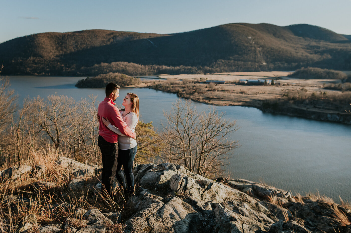BearMountainStateParkEngagmentPhotos-22.jpg