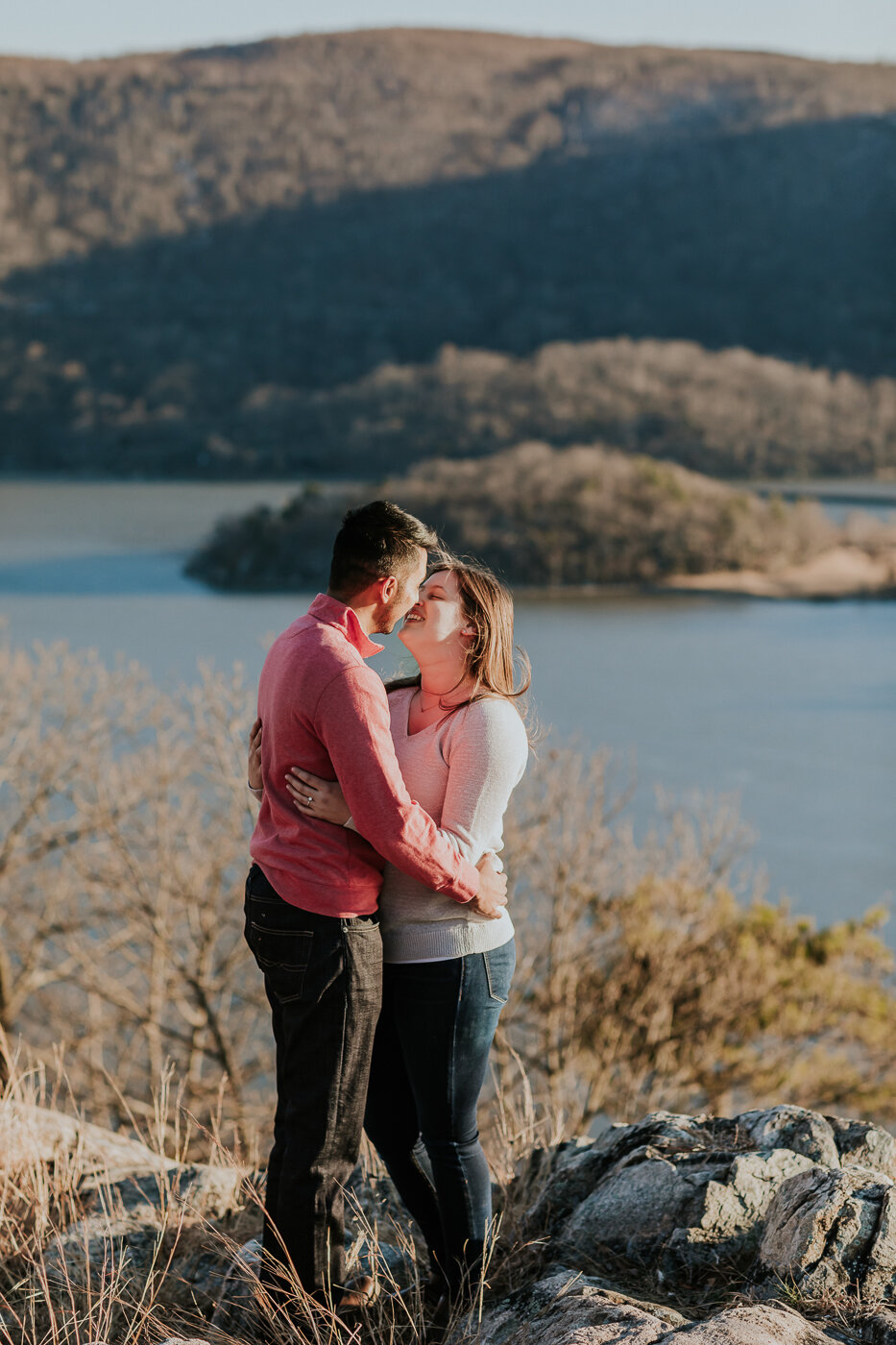 BearMountainStateParkEngagmentPhotos-24.jpg