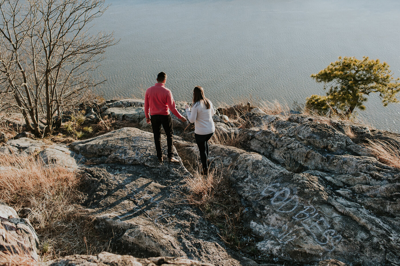 BearMountainStateParkEngagmentPhotos-28.jpg