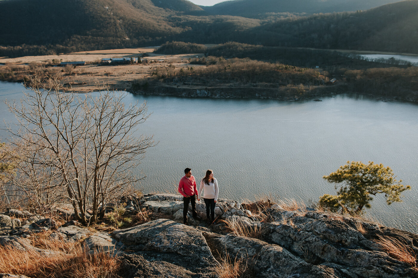 BearMountainStateParkEngagmentPhotos-30.jpg