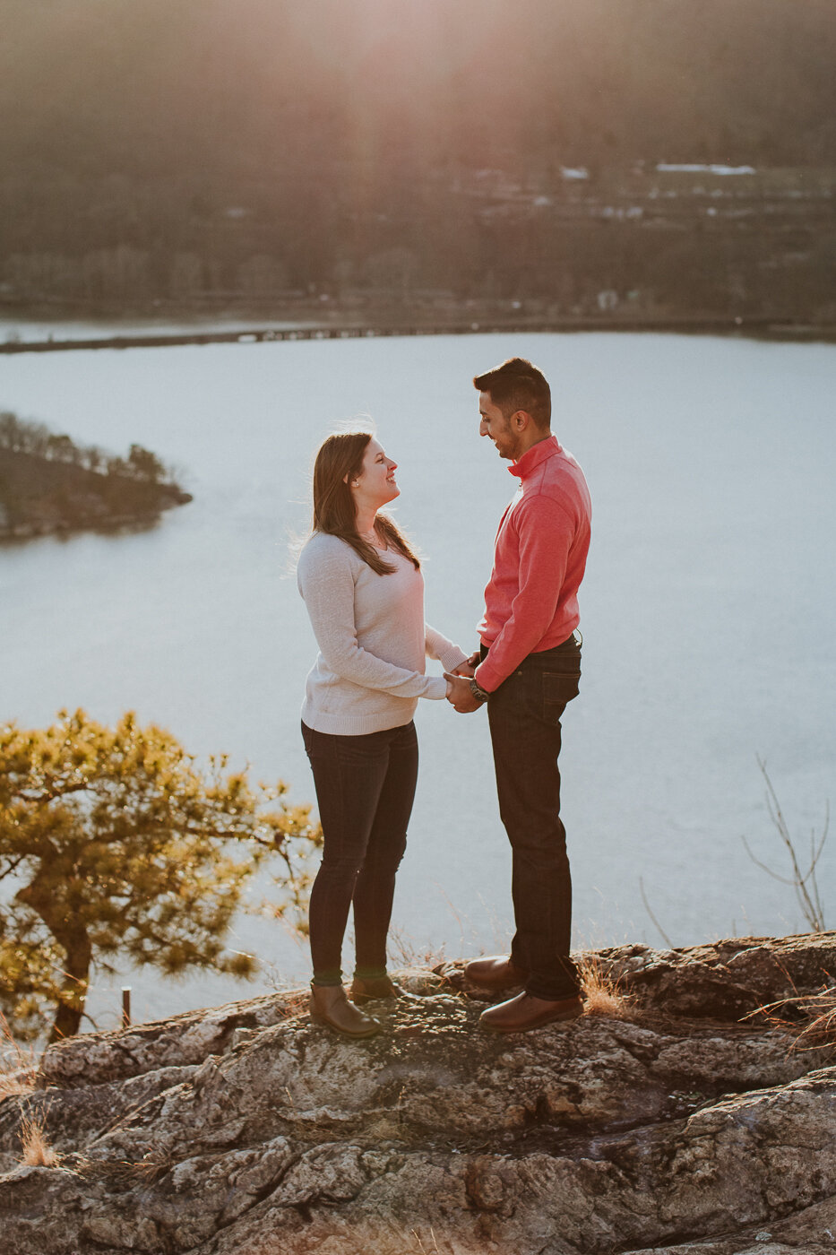 BearMountainStateParkEngagmentPhotos-38.jpg