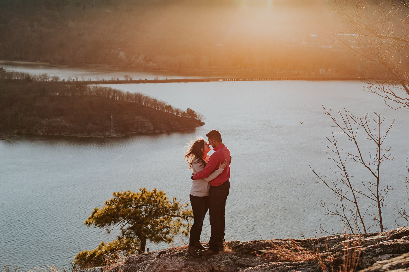 BearMountainStateParkEngagmentPhotos-41.jpg