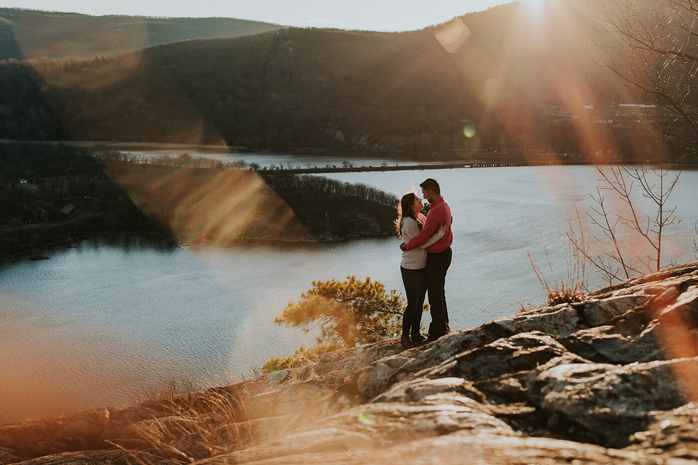 BearMountainStateParkEngagmentPhotos-42.jpg