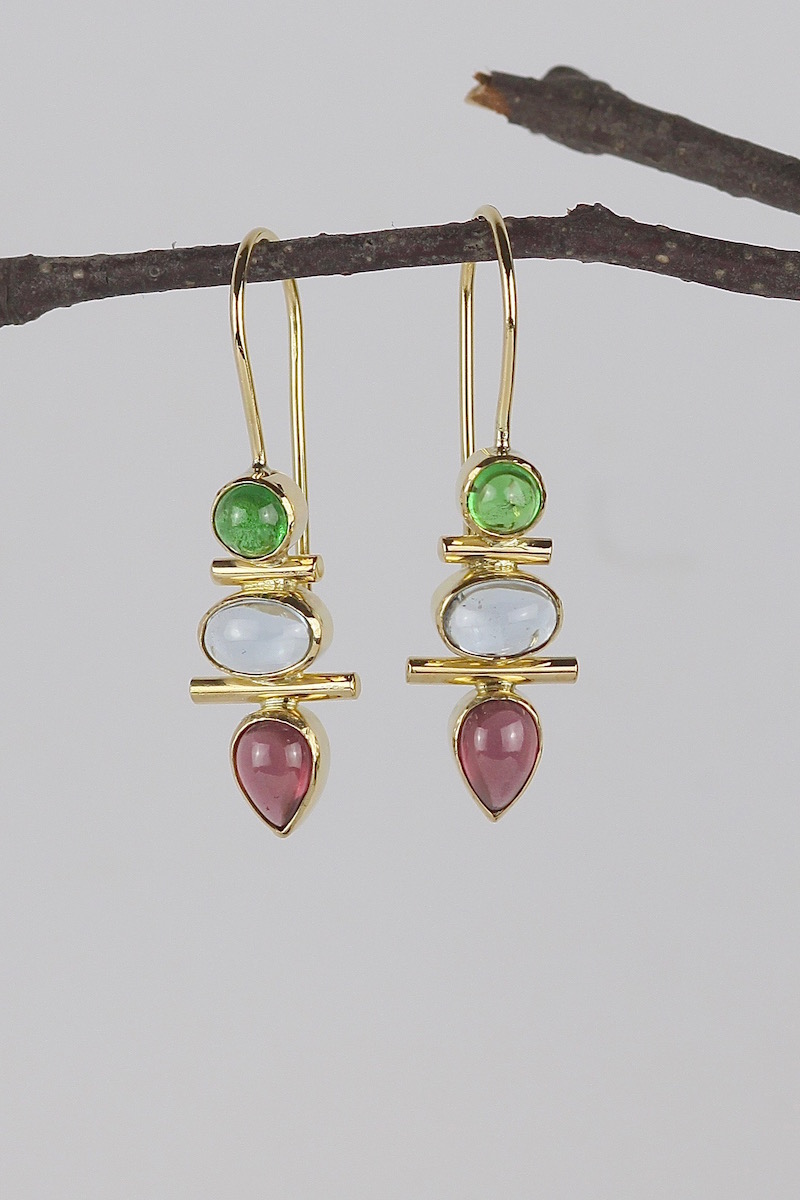 18ct gold garnet aquamarine totem earrings.jpg