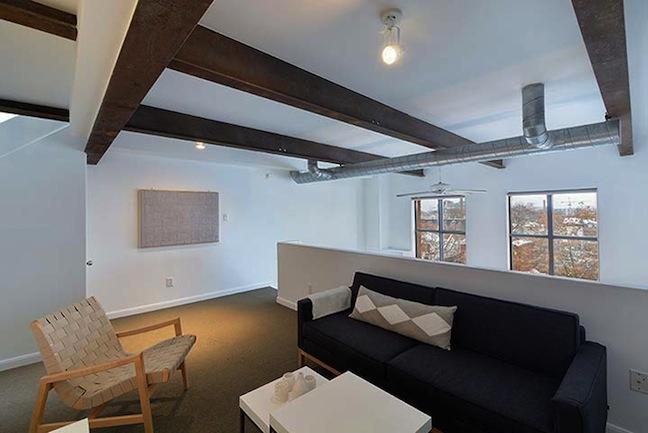 017-Mid-Level-Family-Room.jpg