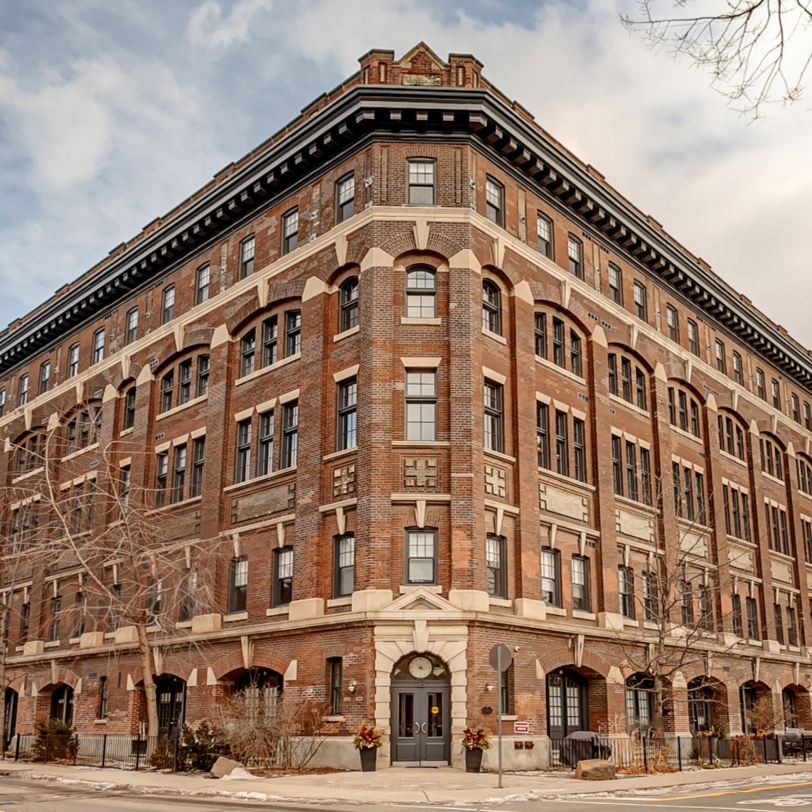 SOLD IN 1 WEEK ON OFFER NIGHT   While a unit in Argyle Lofts is always worth a head turn, this one is one of the best suites in the building. Accessible by private street level entrance, its interior is beautifully warm and bright with arched windows and lofty ceiling.  183 Dovercourt Road