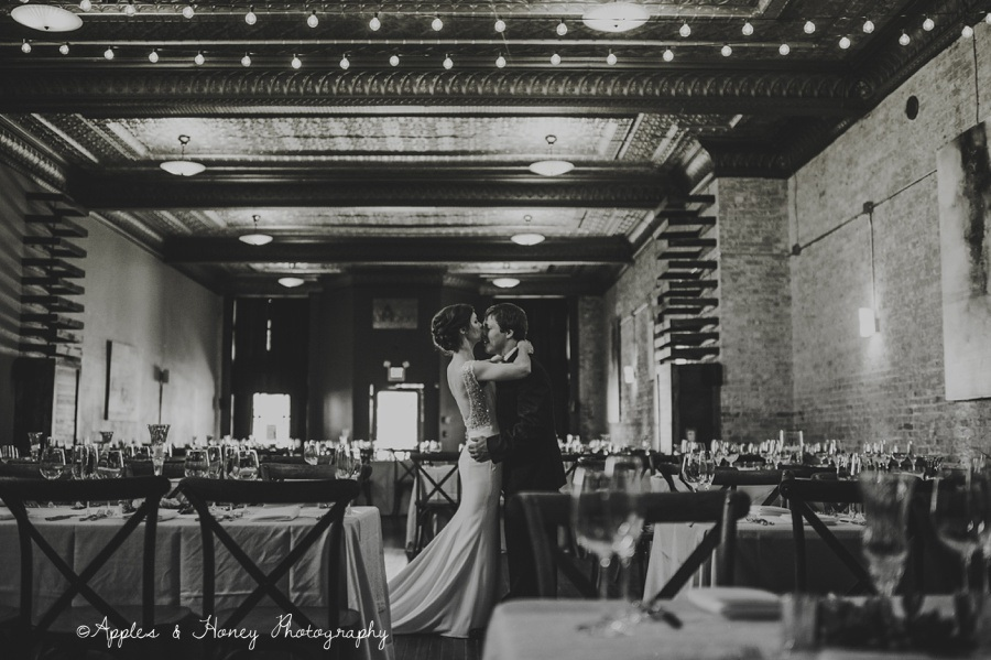 zionsville-photographer-indianapolis-wedding-photographer-indianapolis-photographer-applesandhoneyphotography-0761.JPG