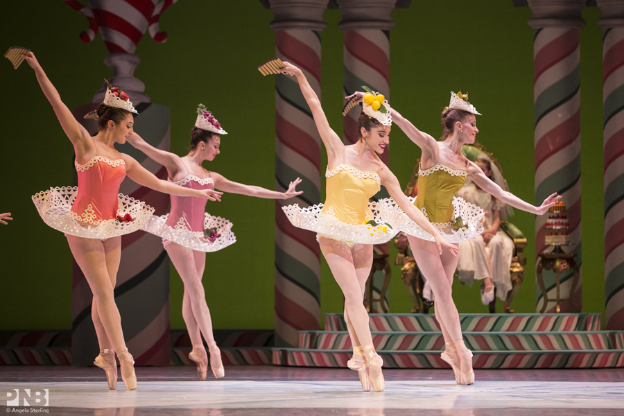 leta-biasucci-and-pnb-company-dancers-in-george-balanchines-the-nutcracker_23618384705_o.jpg