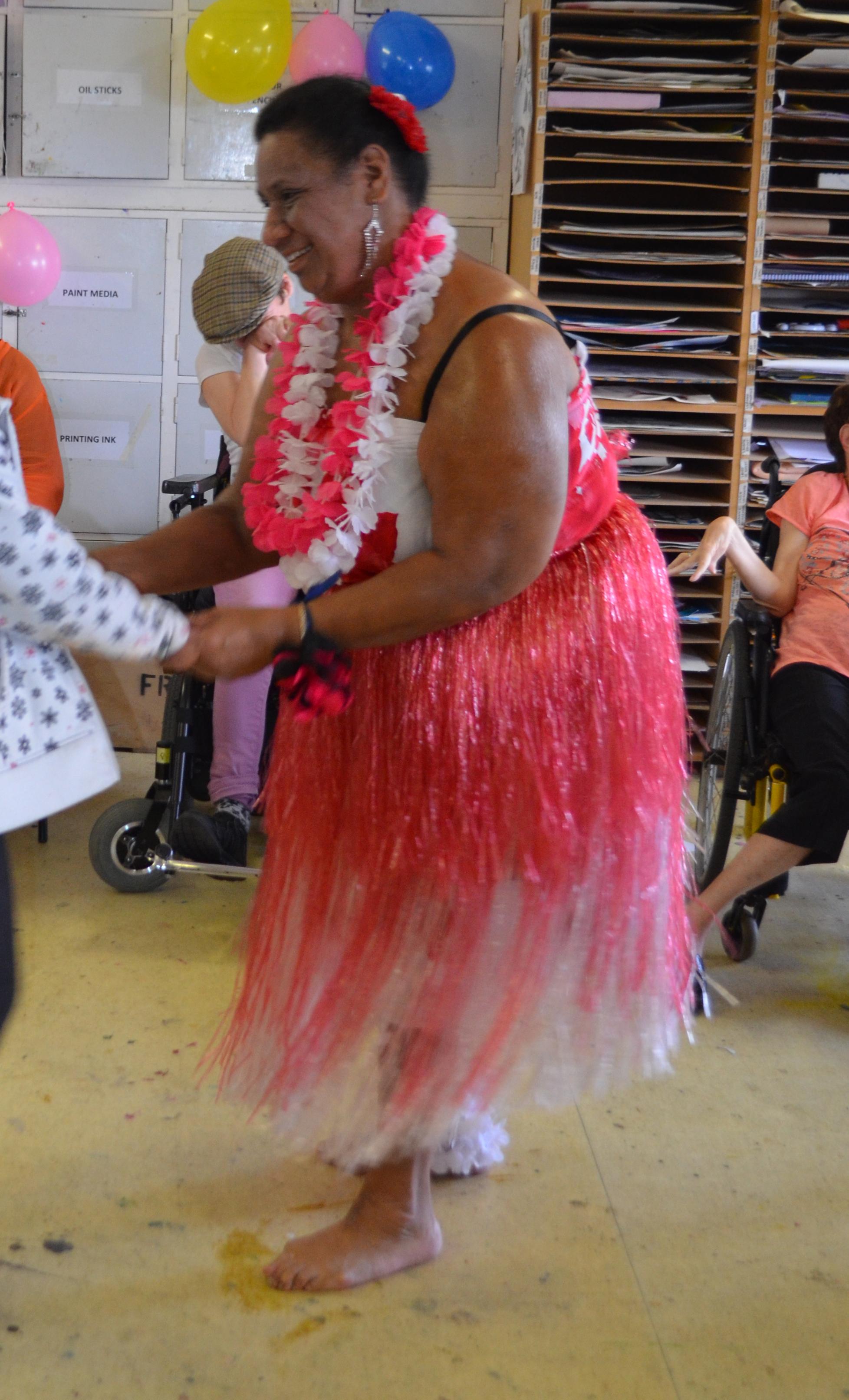 Ela Tongan Dancing at Mapura Studios