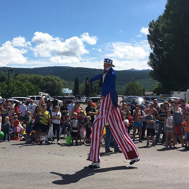 Happy 4th of July! #hometownparade #getoutandplay