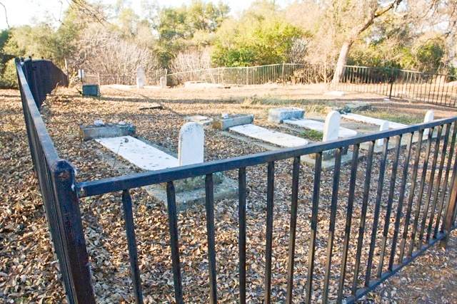 IMG3772  Commission for the Preservation of Pioneer Jewish Cemeteries & Landmarks in the West 12132011.jpg