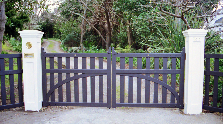 HOPETON GATE.jpg