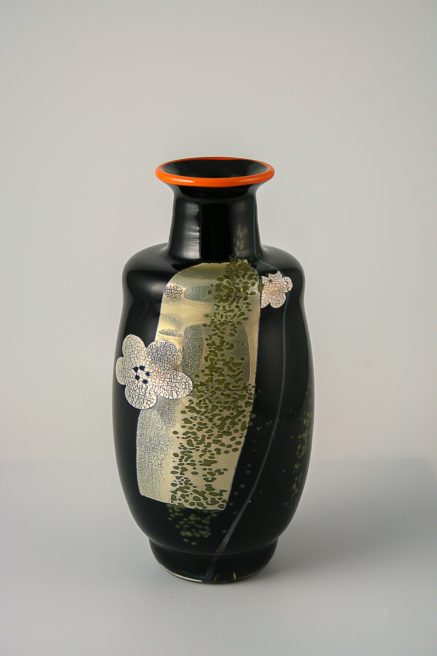 ume panel vase