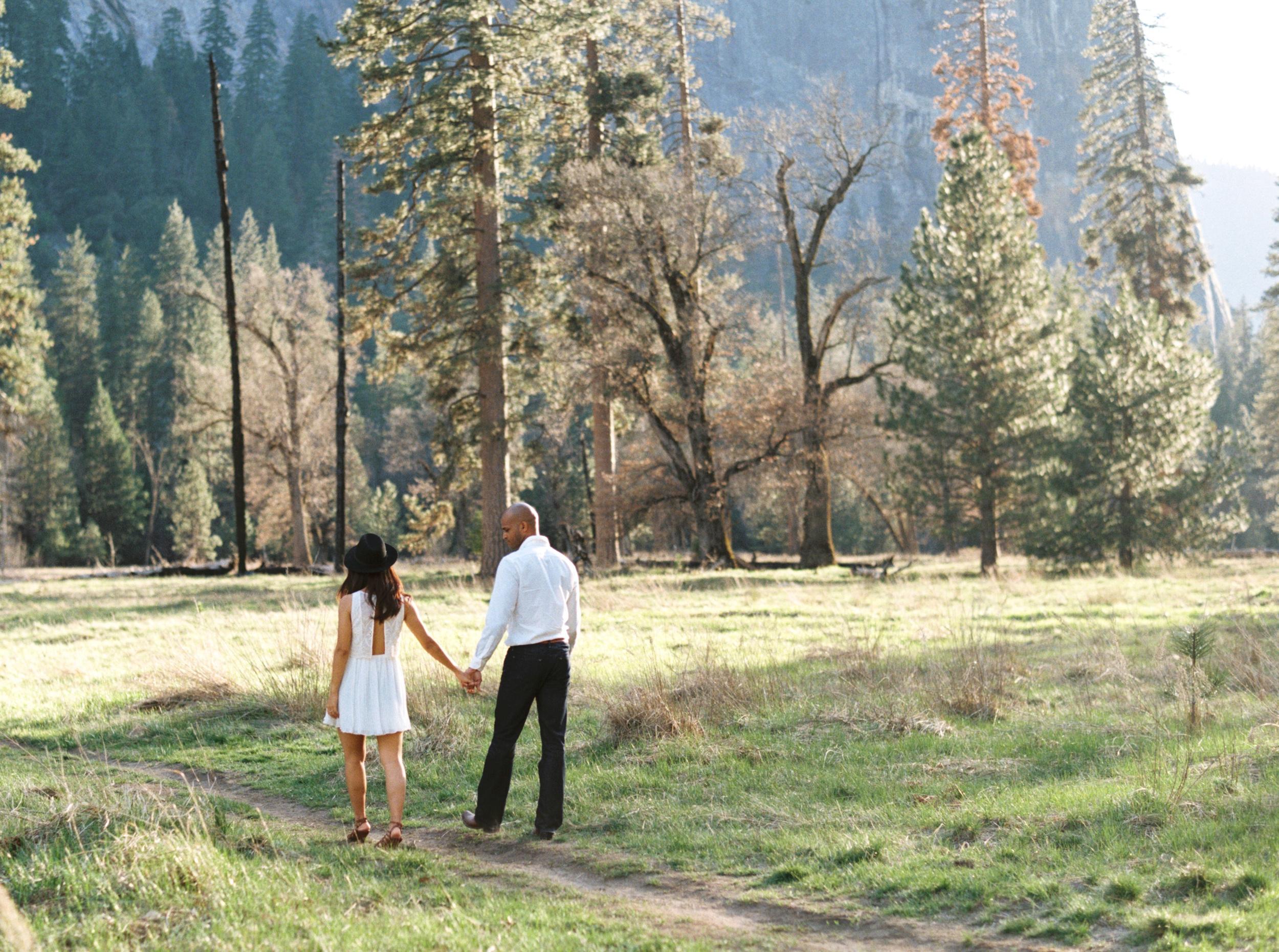 -Yosemite-national-park-engagement-photography-film.jpg