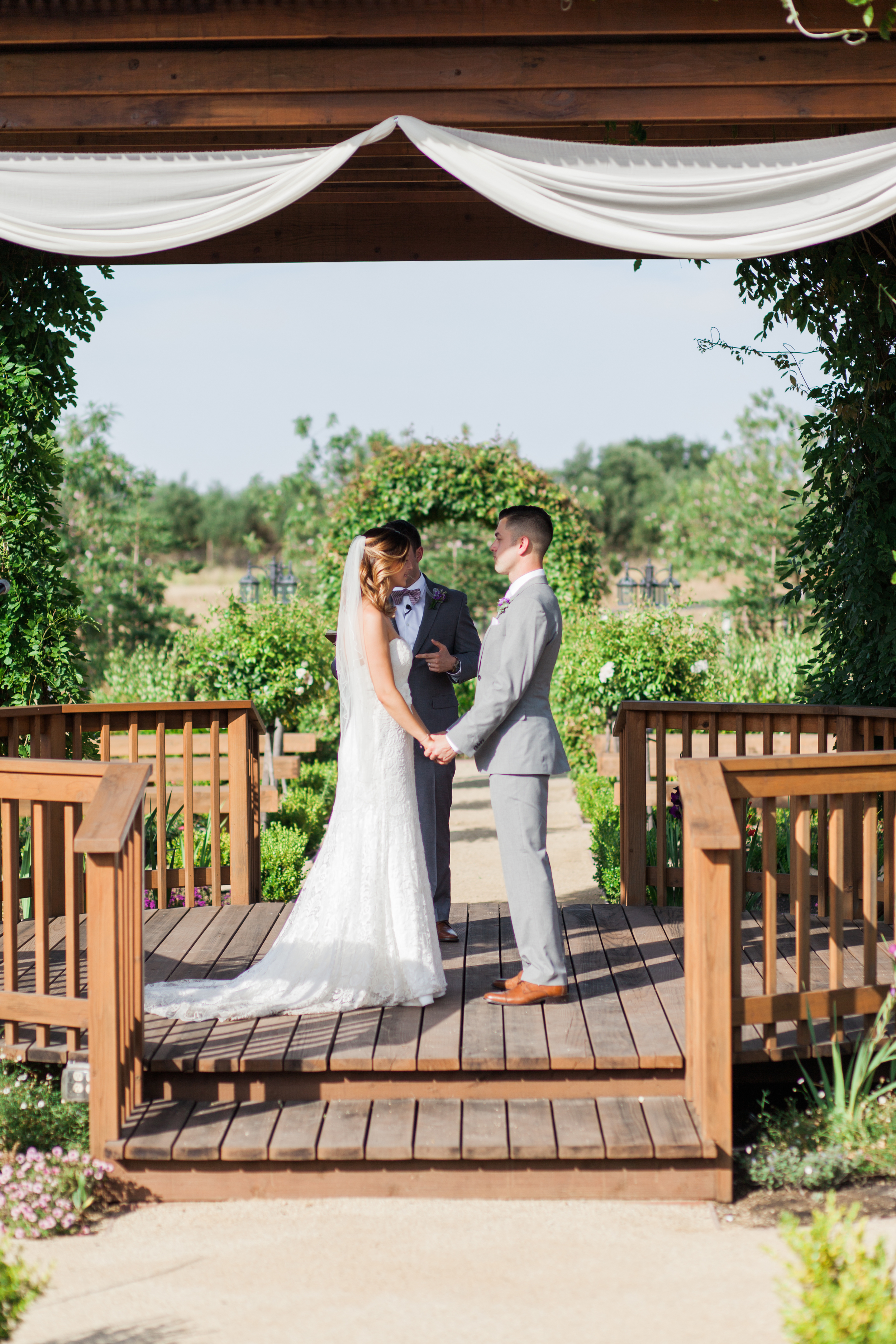 wolfe-heights-event-center-wedding-photography