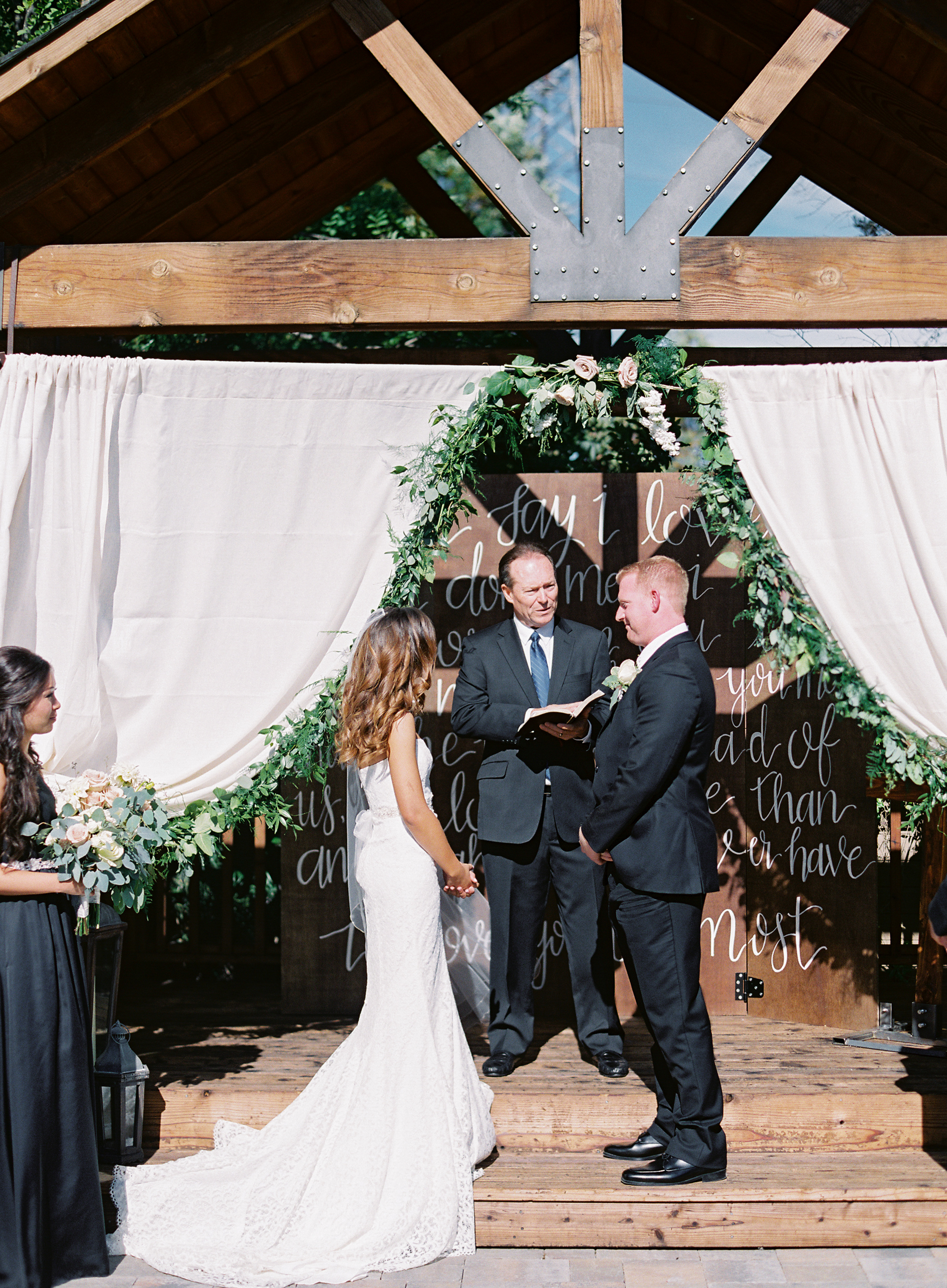 crooked-vine-winery-wedding.jpg
