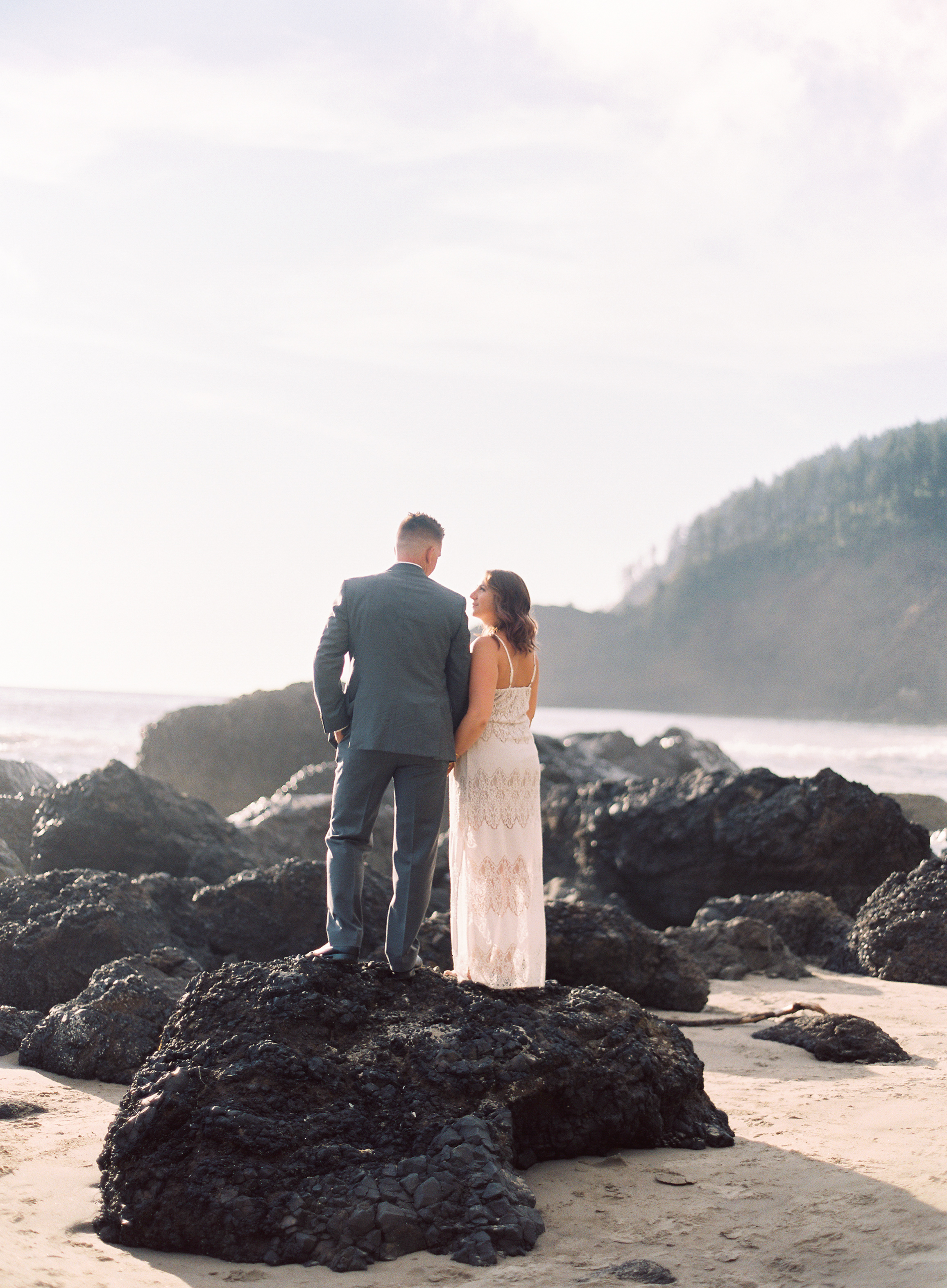 indian-beach-oregon-engagement-33.jpg