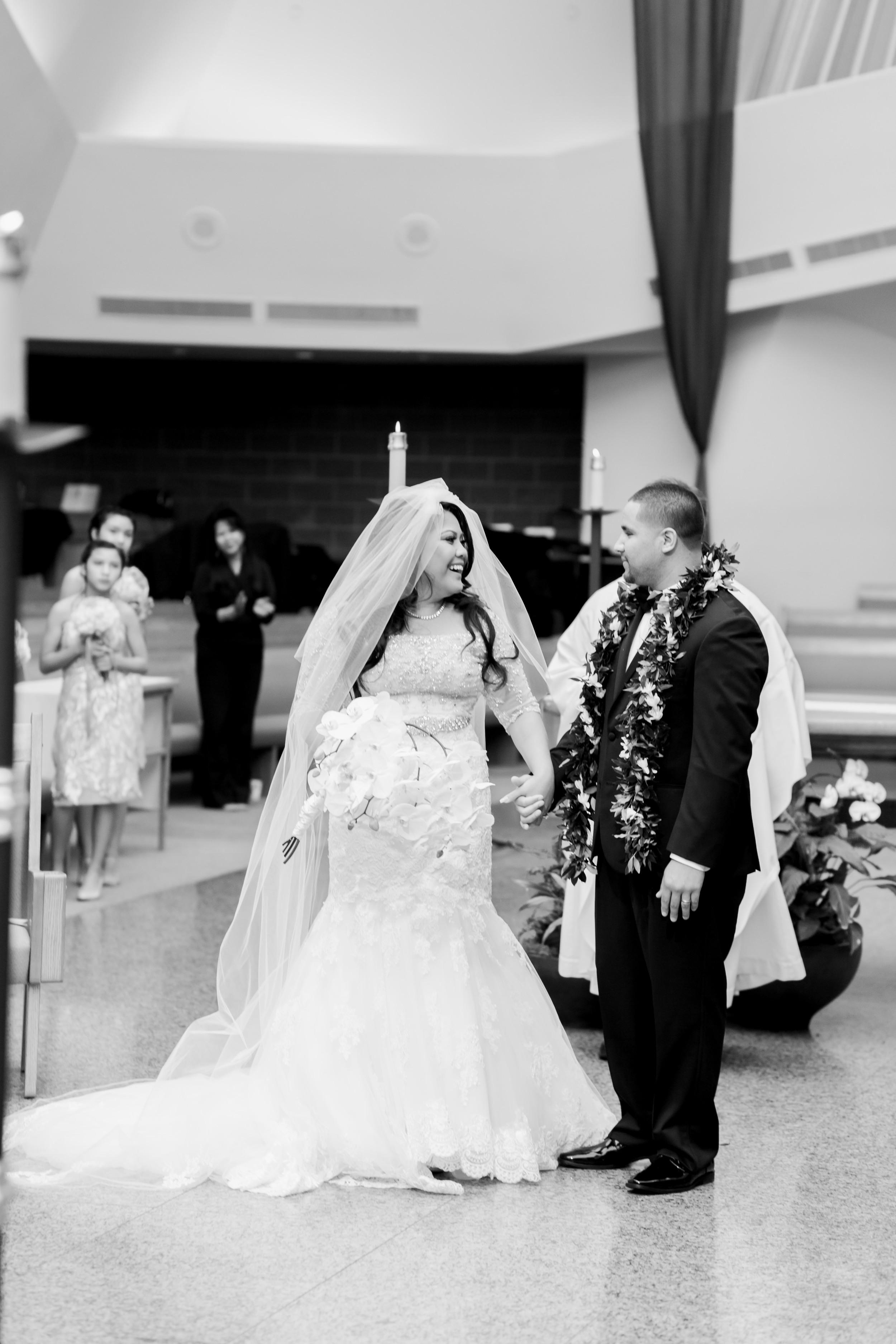 hawaiian-inspired-wedding-at-blackhawk-country-club-2187.jpg