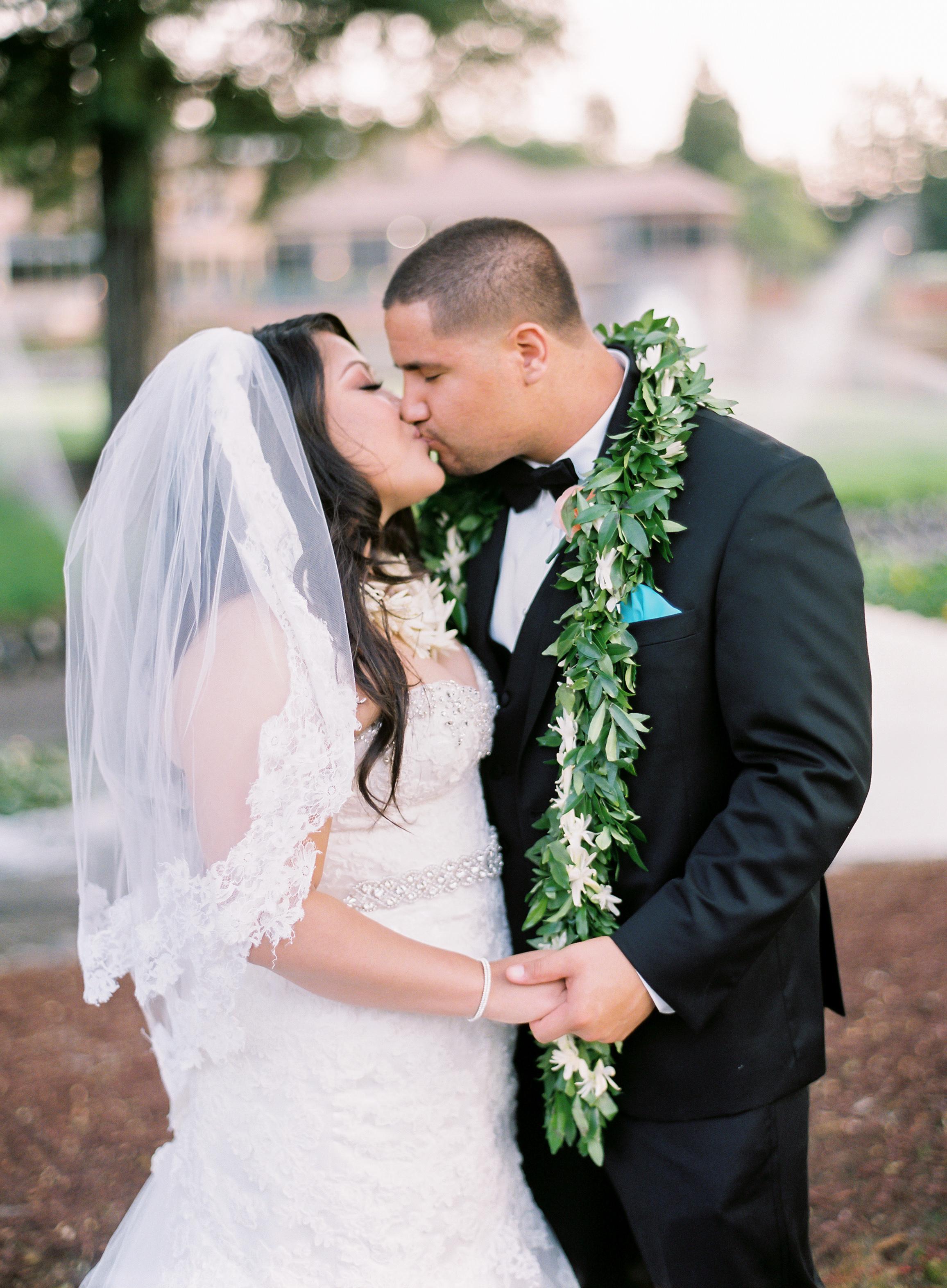 hawaiian-inspired-wedding-at-blackhawk-country-club-016.jpg
