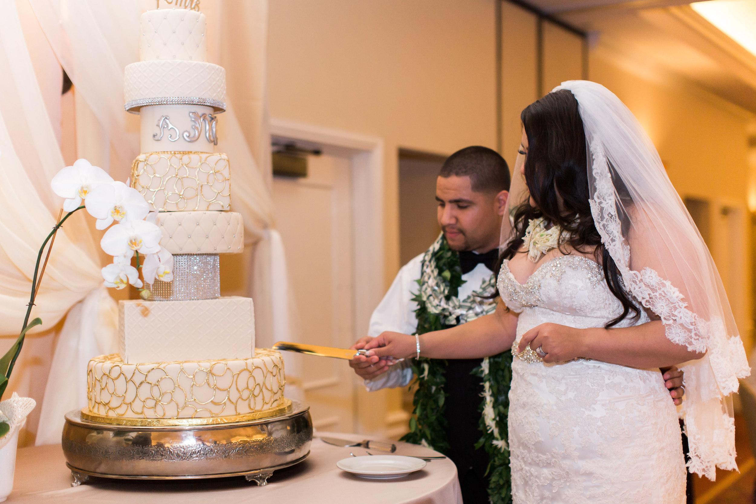 hawaiian-inspired-wedding-at-blackhawk-country-club-3699.jpg