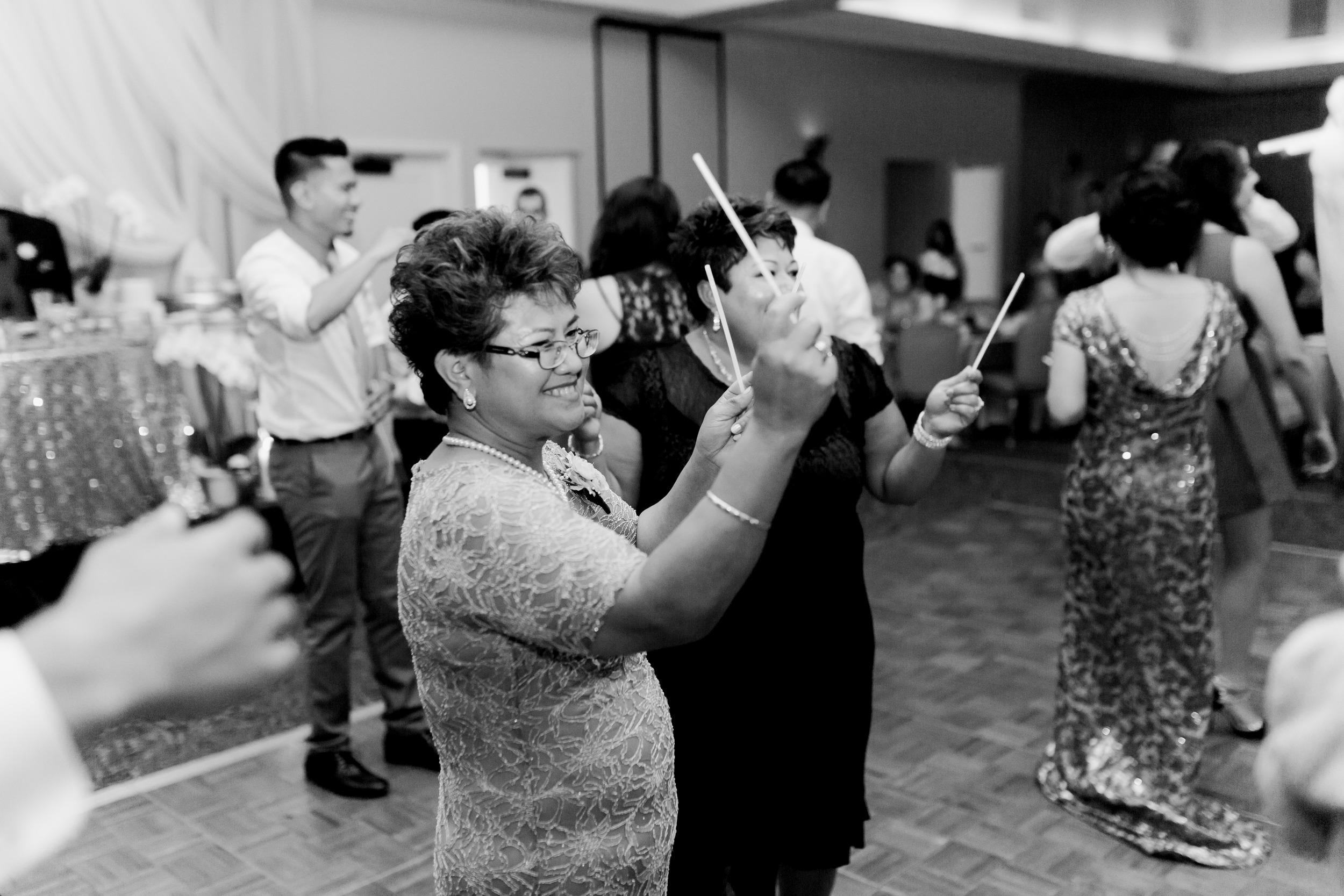 hawaiian-inspired-wedding-at-blackhawk-country-club-3792.jpg