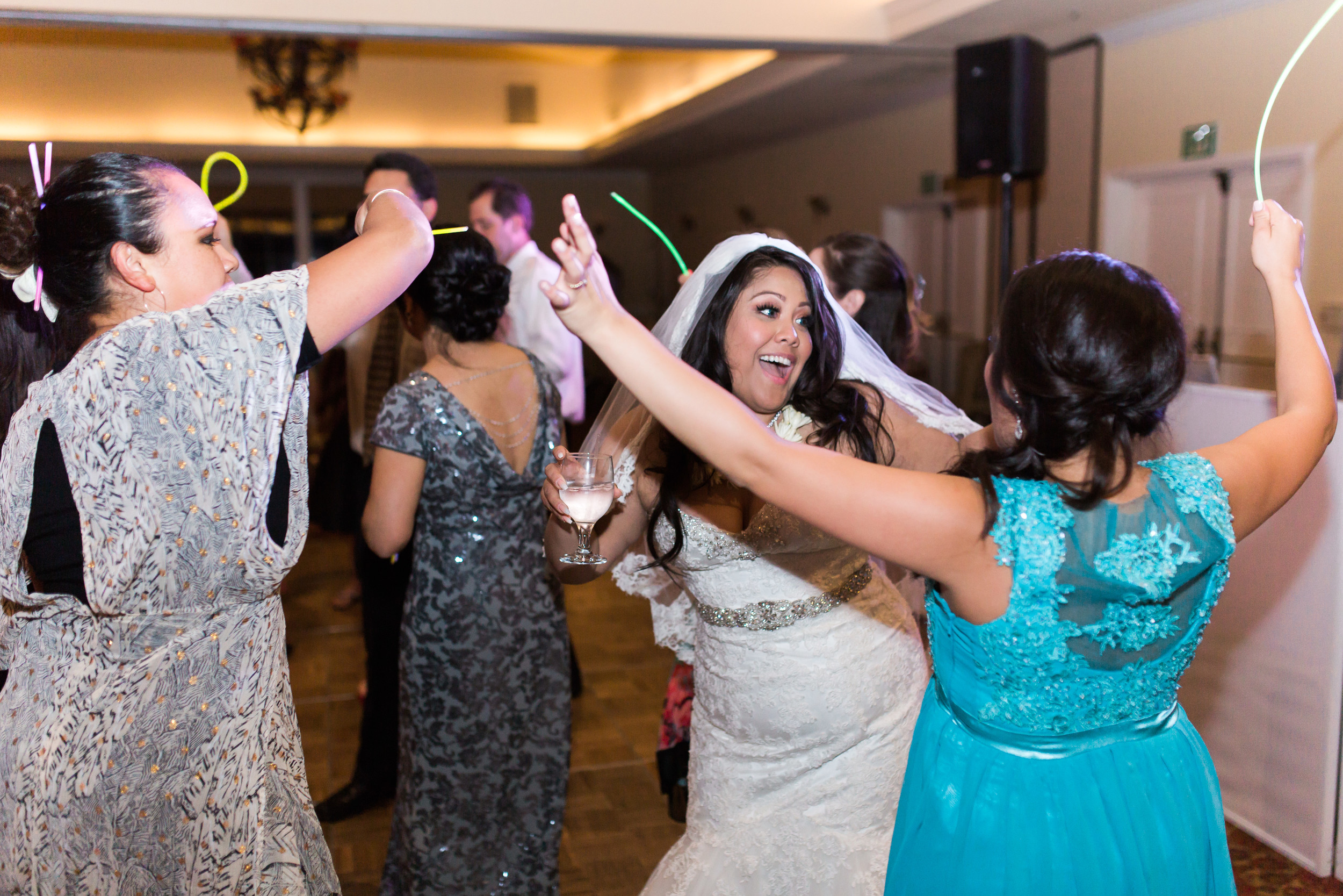 hawaiian-inspired-wedding-at-blackhawk-country-club-3822.jpg