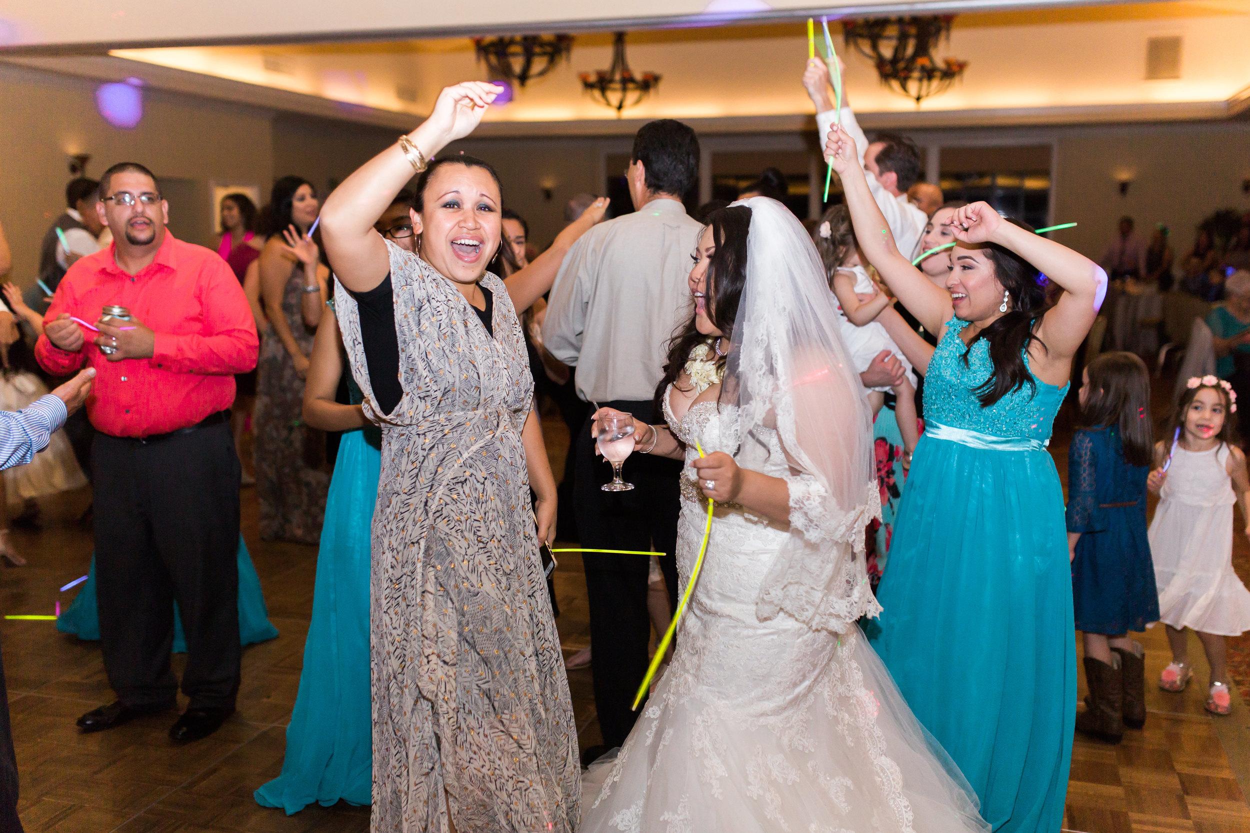 hawaiian-inspired-wedding-at-blackhawk-country-club-3827.jpg