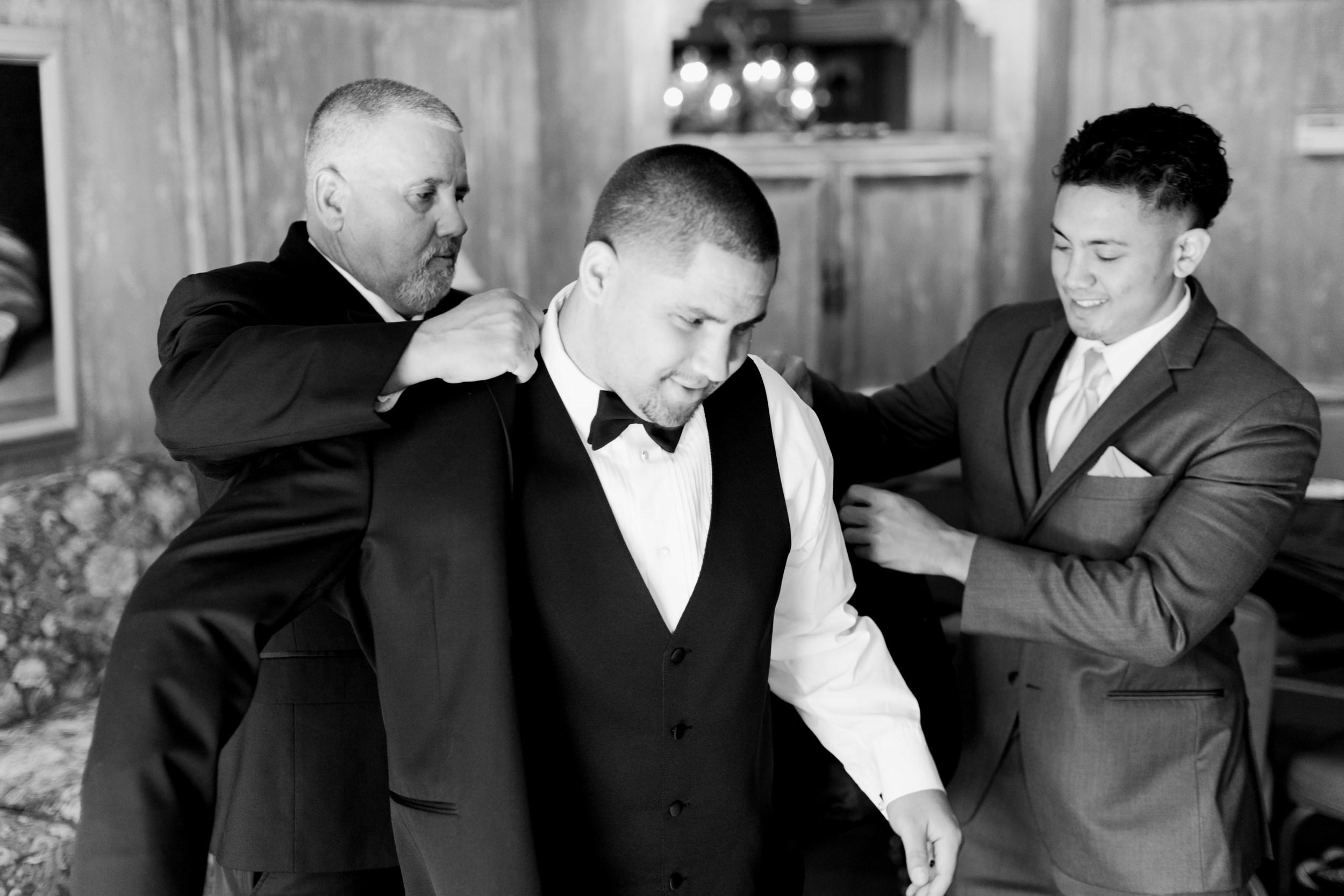 hawaiian-inspired-wedding-at-blackhawk-country-club-3940.jpg
