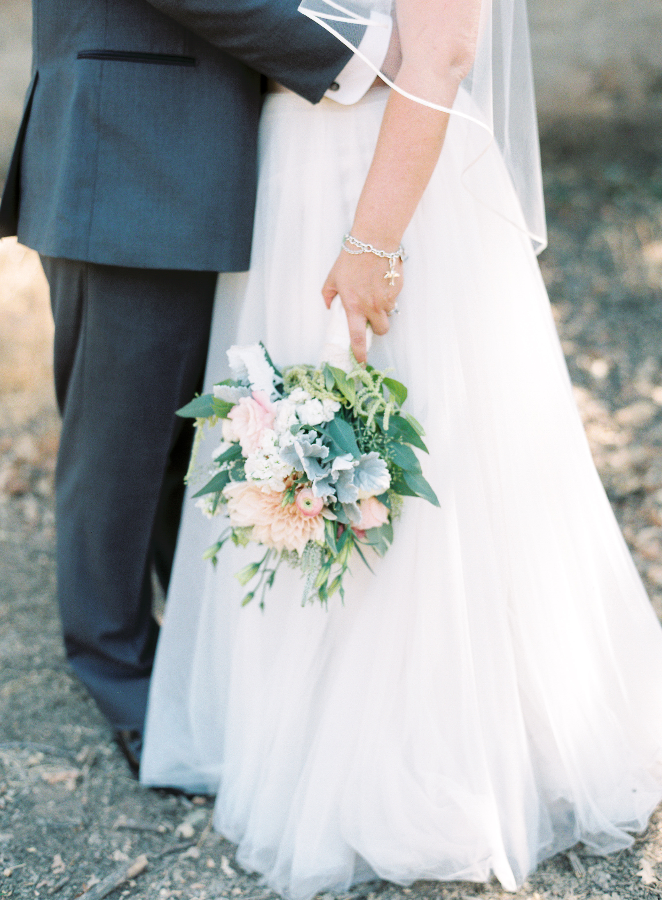 southern-inspired-wedding-at-ravenswood-historic-site-009-5.jpg