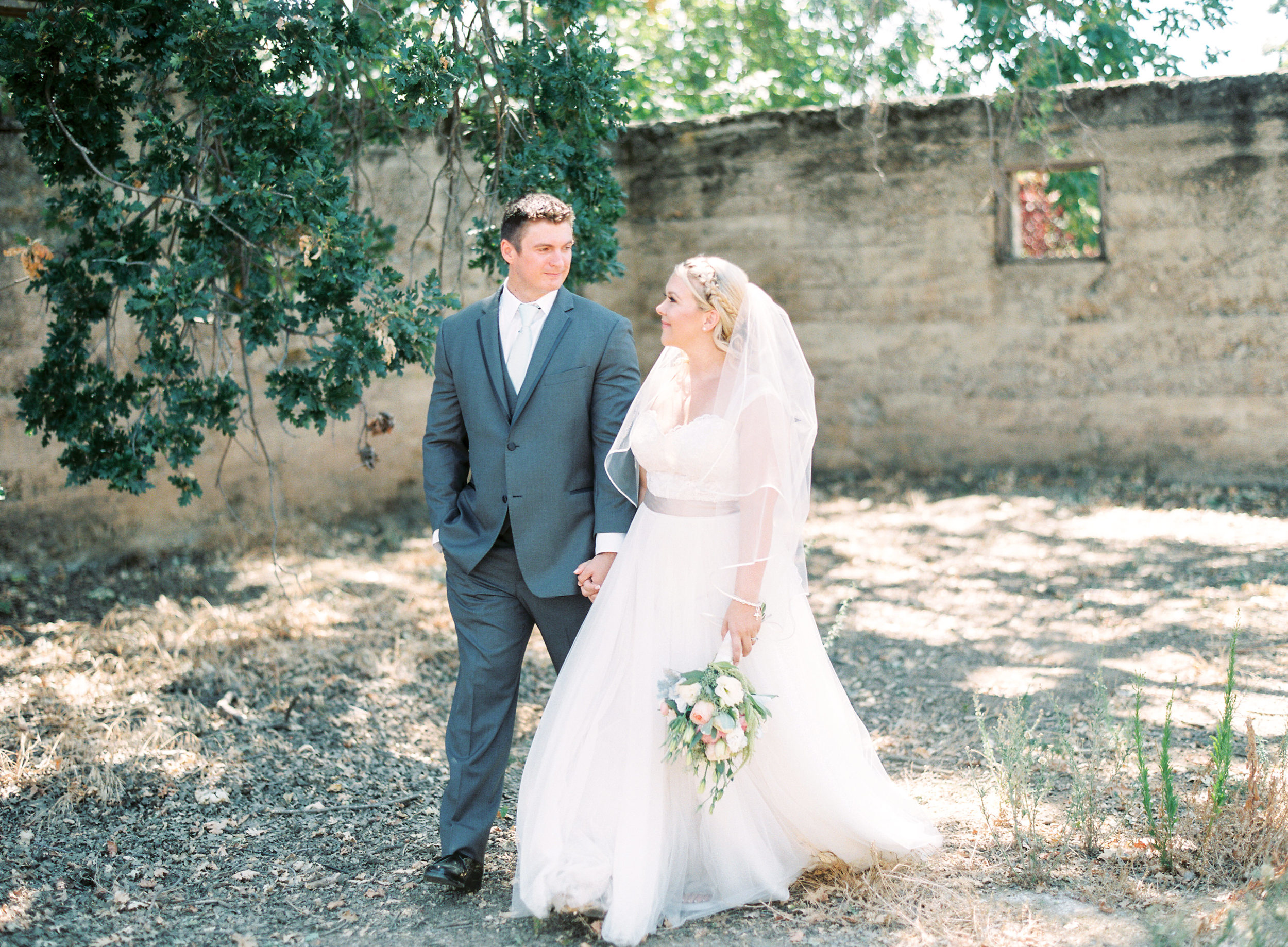 southern-inspired-wedding-at-ravenswood-historic-site-012-5.jpg