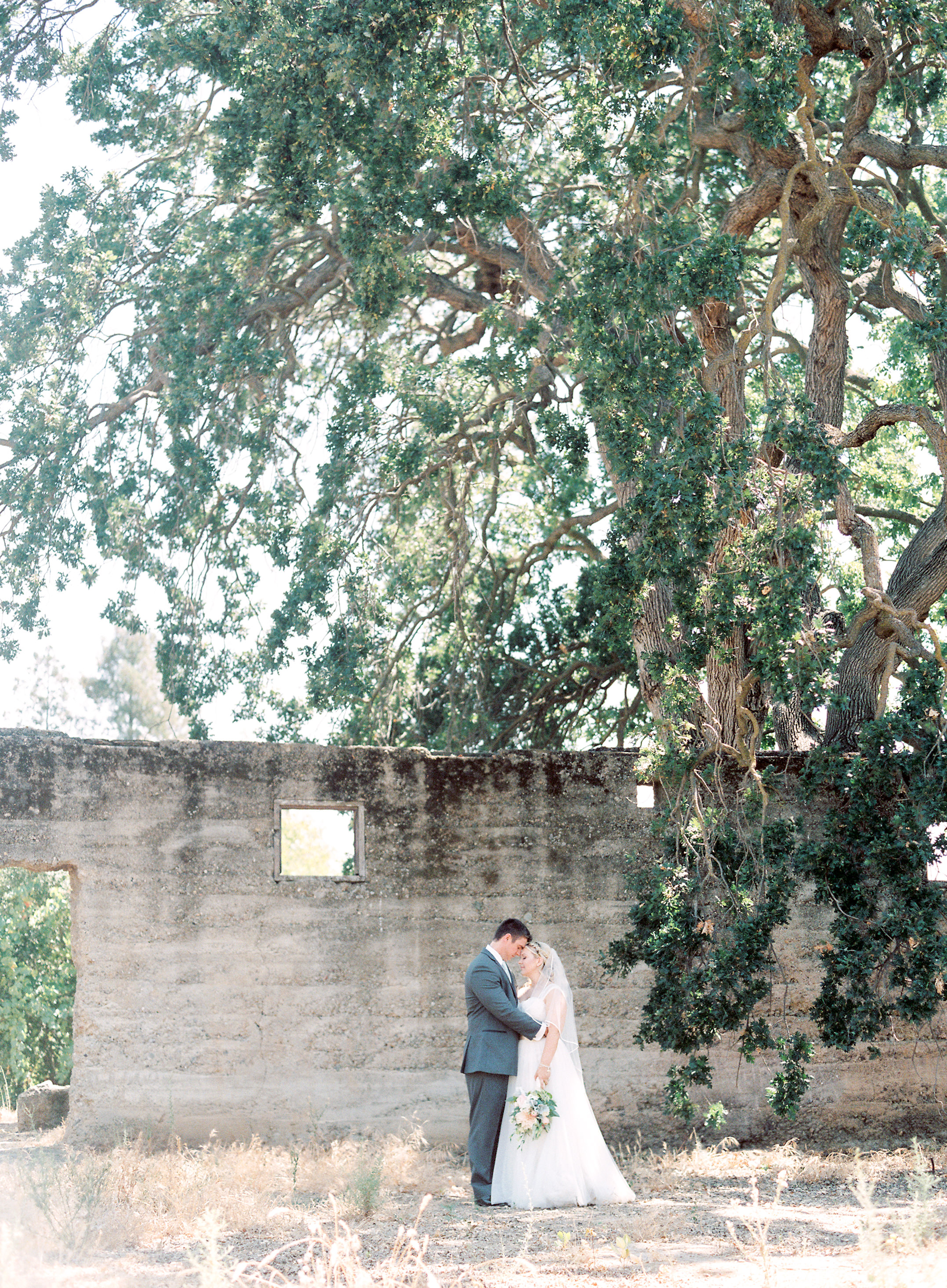 southern-inspired-wedding-at-ravenswood-historic-site-007-5.jpg