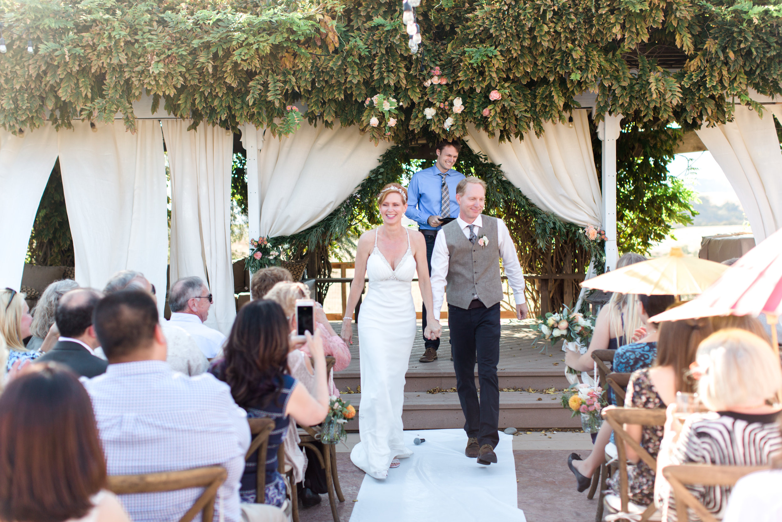 intimate-backyard-wedding-sonoma-california-20.jpg