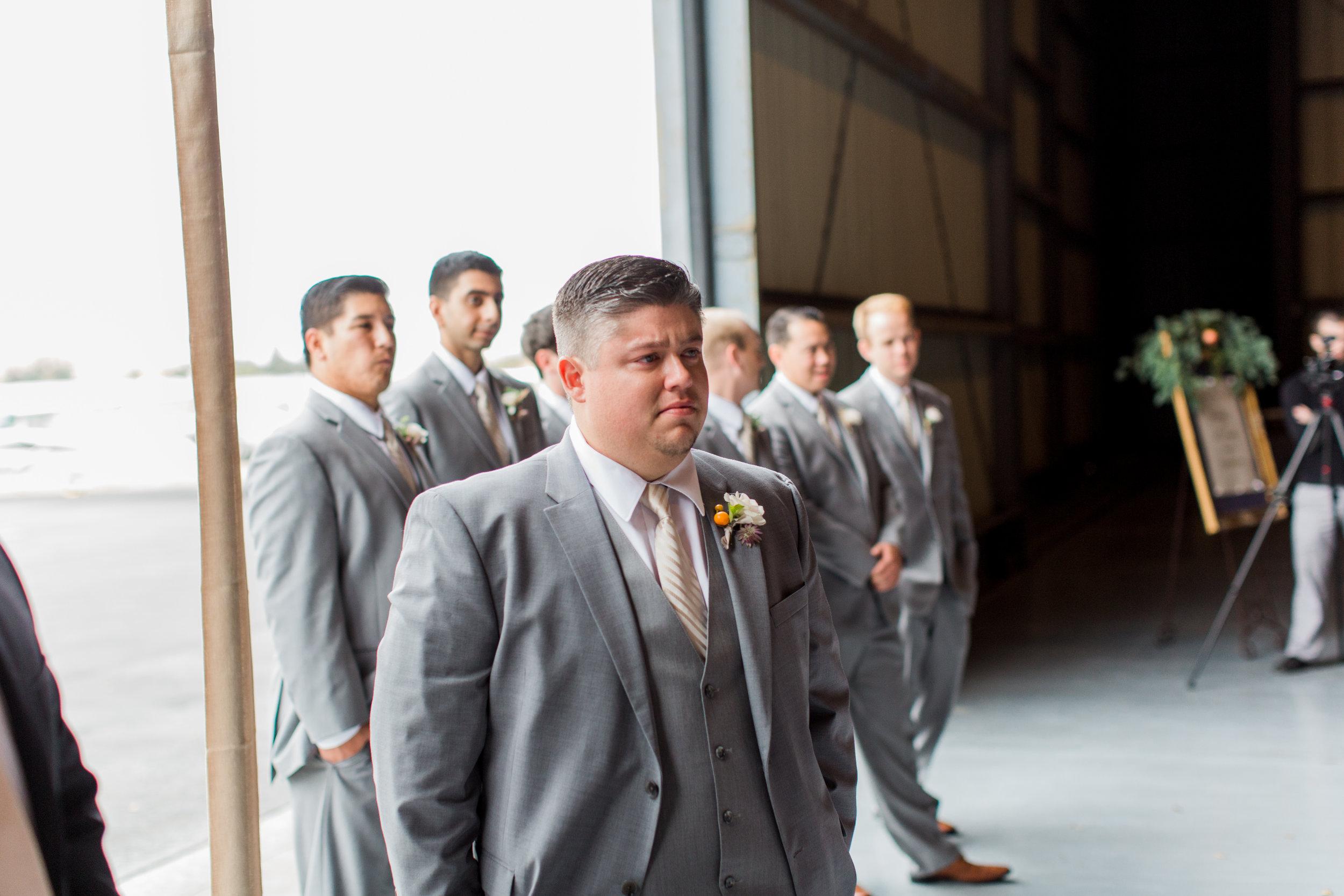 airport-hanger-wedding-at-attitude-aviation-in-livermore-41.jpg
