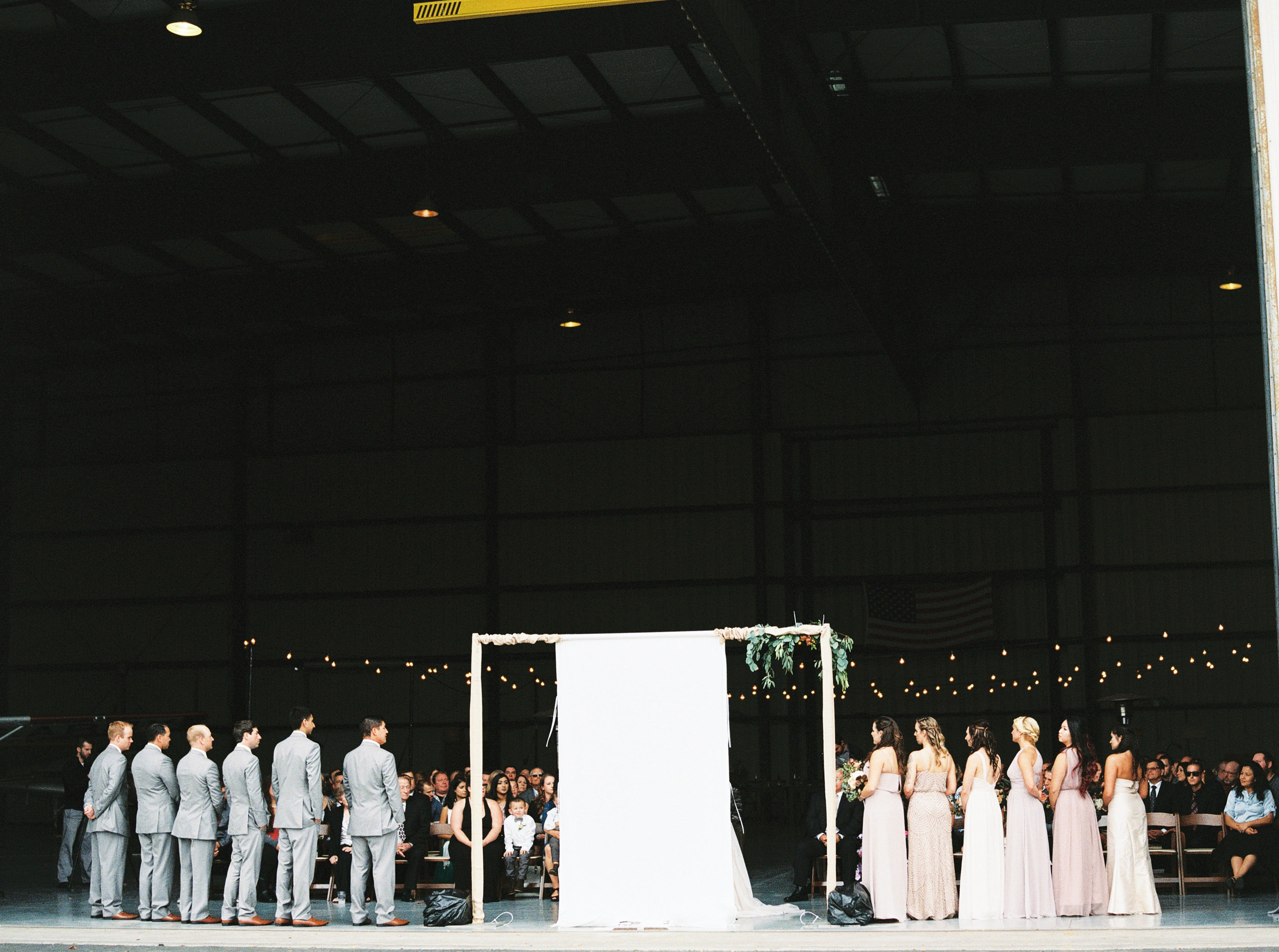 airport-hanger-wedding-at-attitude-aviation-in-livermore-66-2.jpg