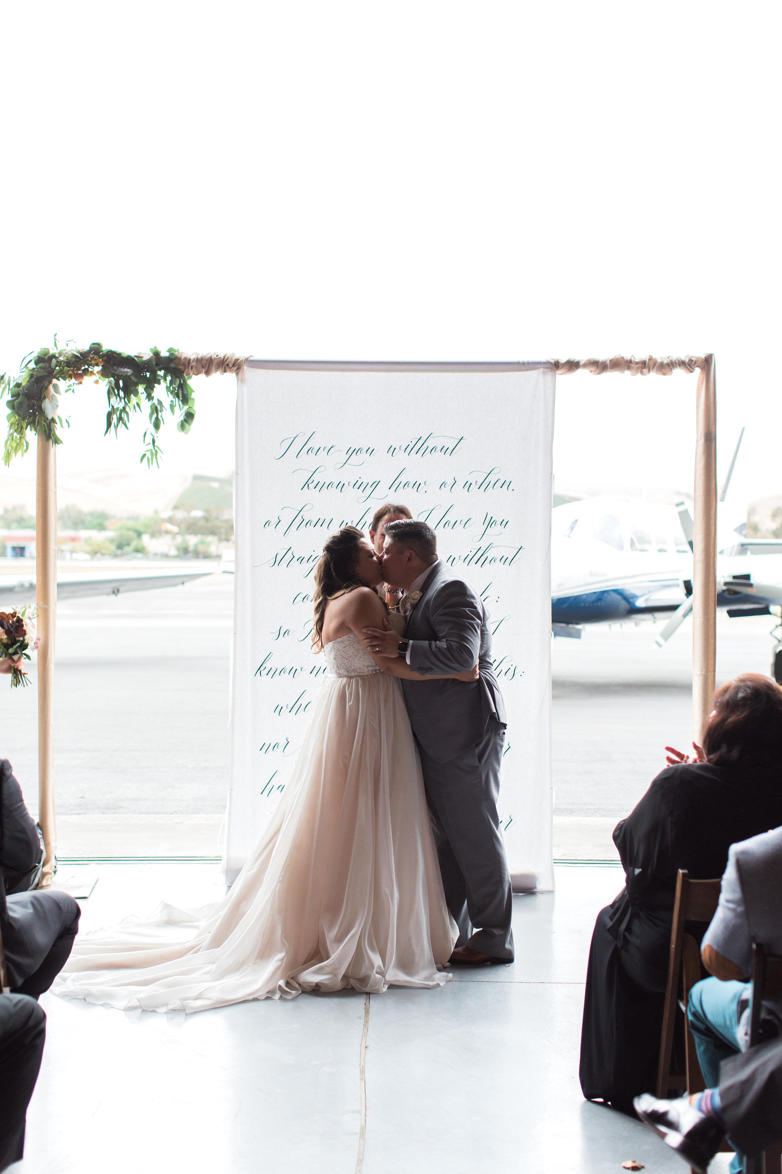 airport-hanger-wedding-at-attitude-aviation-in-livermore-66.jpg