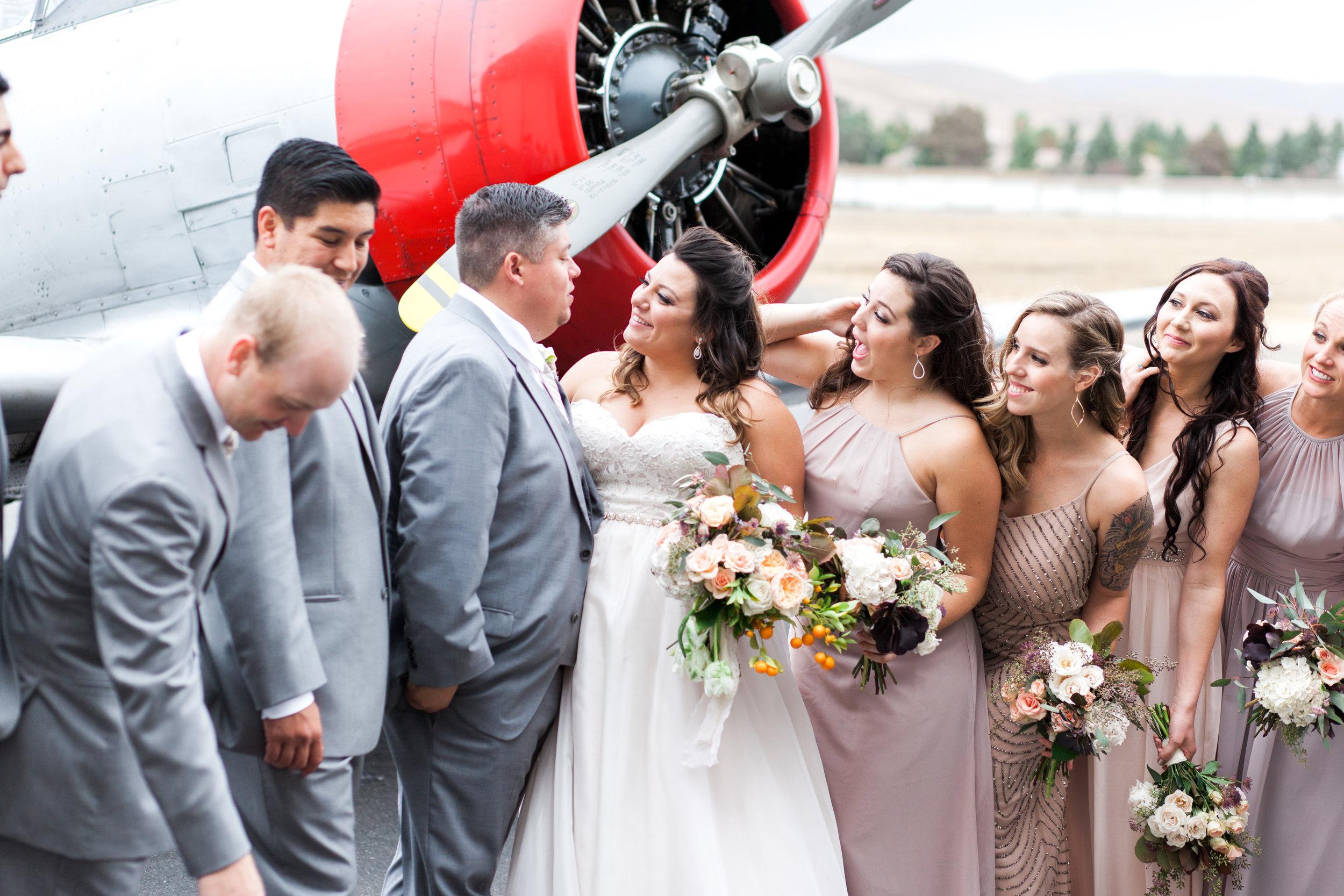 airport-hanger-wedding-at-attitude-aviation-in-livermore-70.jpg