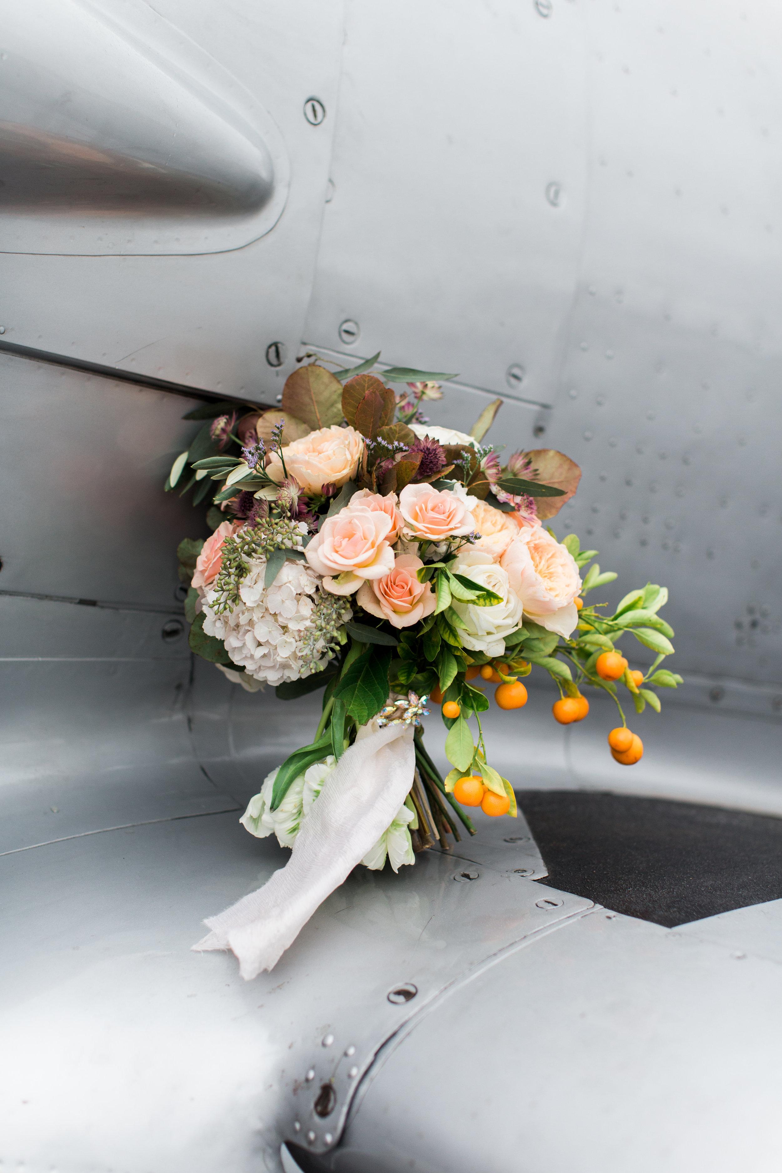 airport-hanger-wedding-at-attitude-aviation-in-livermore-90.jpg