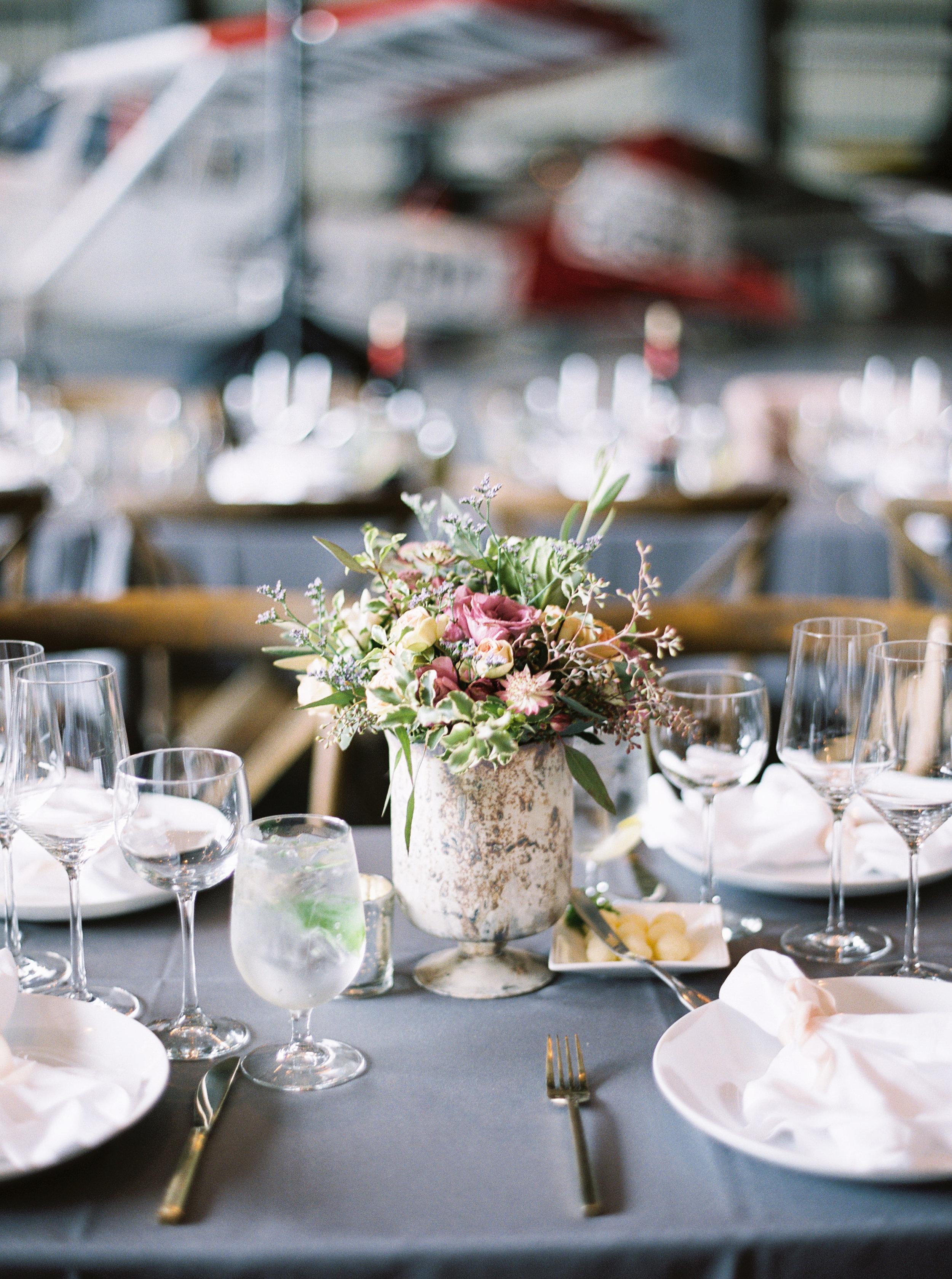 airport-hanger-wedding-at-attitude-aviation-in-livermore-28-2.jpg