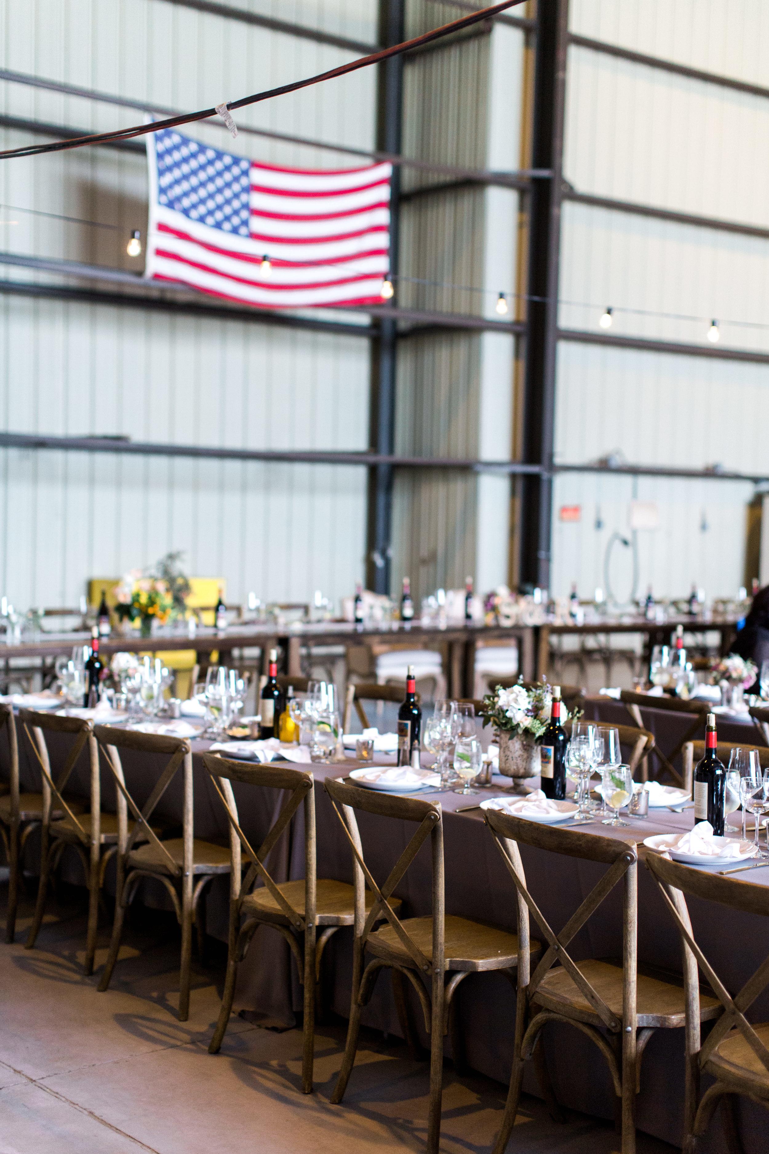 airport-hanger-wedding-at-attitude-aviation-in-livermore-29.jpg