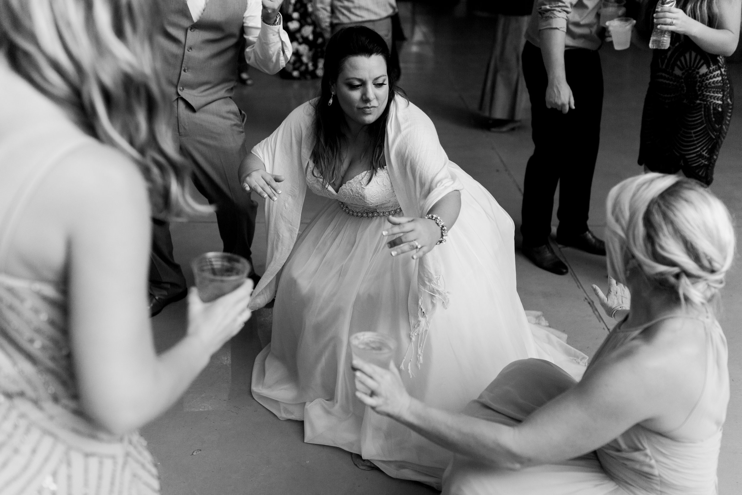 airport-hanger-wedding-at-attitude-aviation-in-livermore-139.jpg
