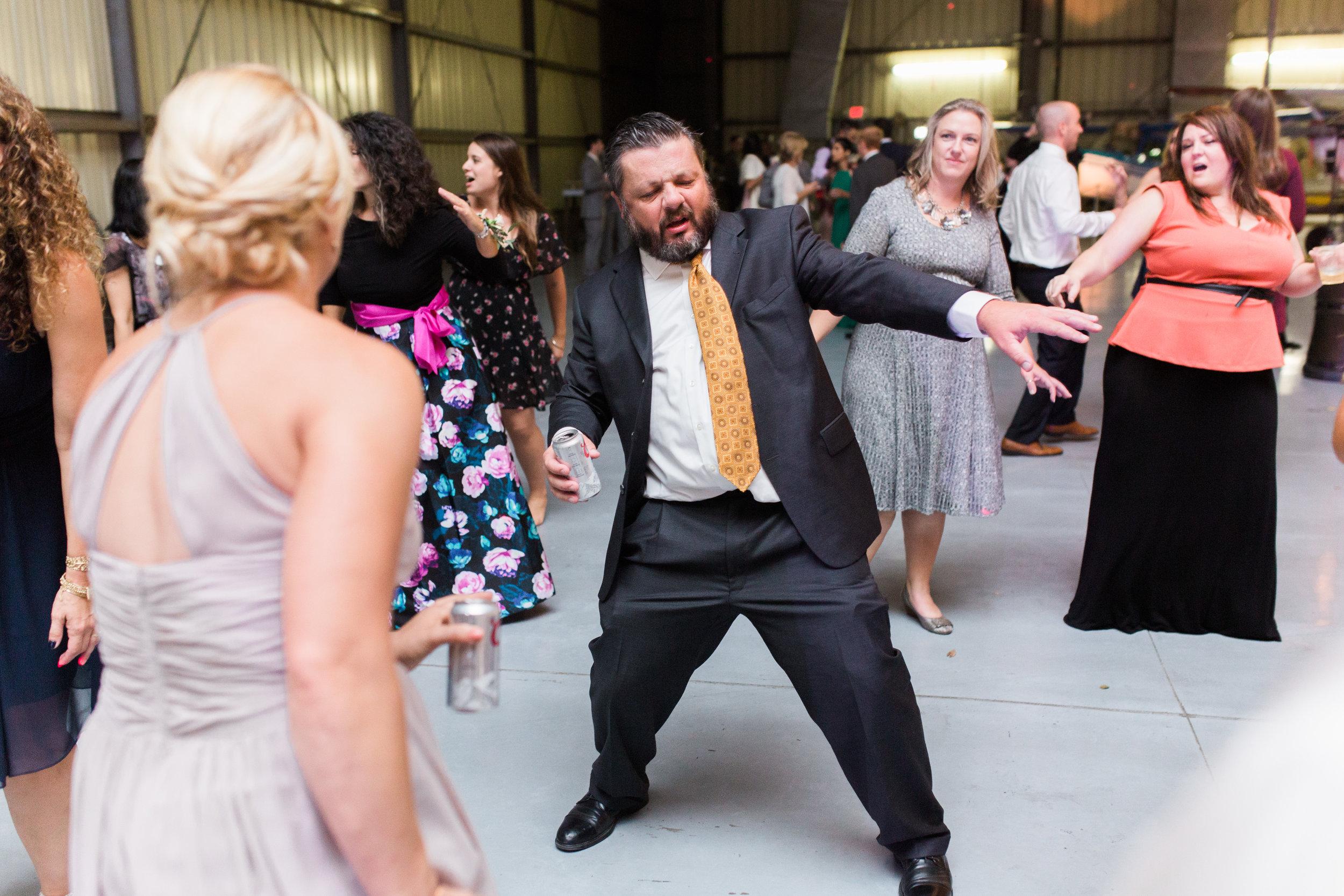 airport-hanger-wedding-at-attitude-aviation-in-livermore-136.jpg