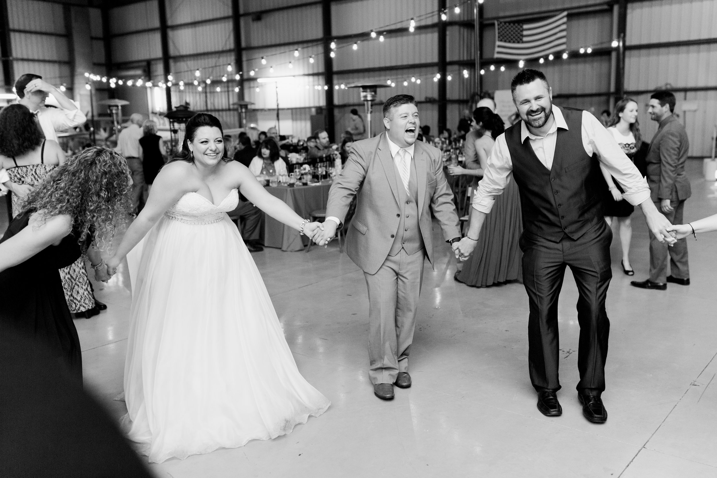 airport-hanger-wedding-at-attitude-aviation-in-livermore-132.jpg